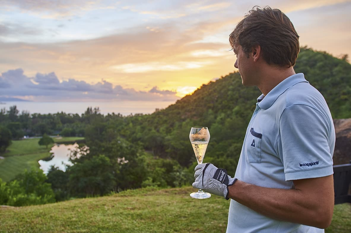 https://bubo.sk/uploads/galleries/16007/lemuria-seychelles-2016-ab-hole-15-drinks-07.jpg