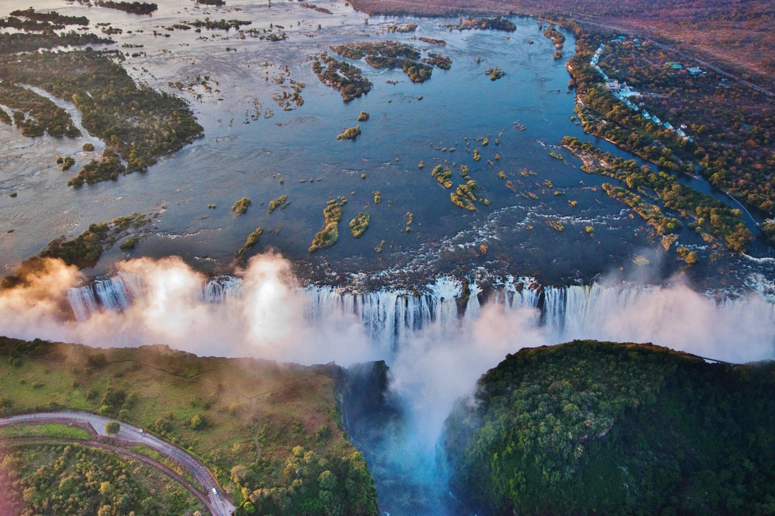 https://bubo.sk/uploads/galleries/16007/victoria-falls-2.jpg