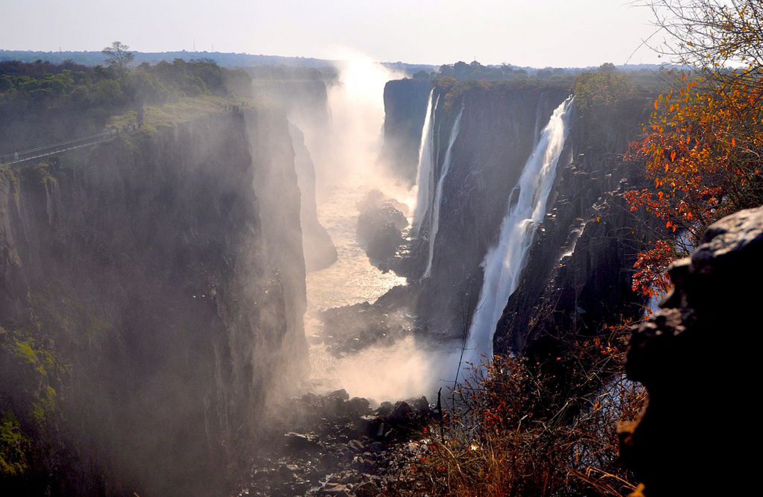https://bubo.sk/uploads/galleries/16033/1024px-victoria-falls-2012.jpg