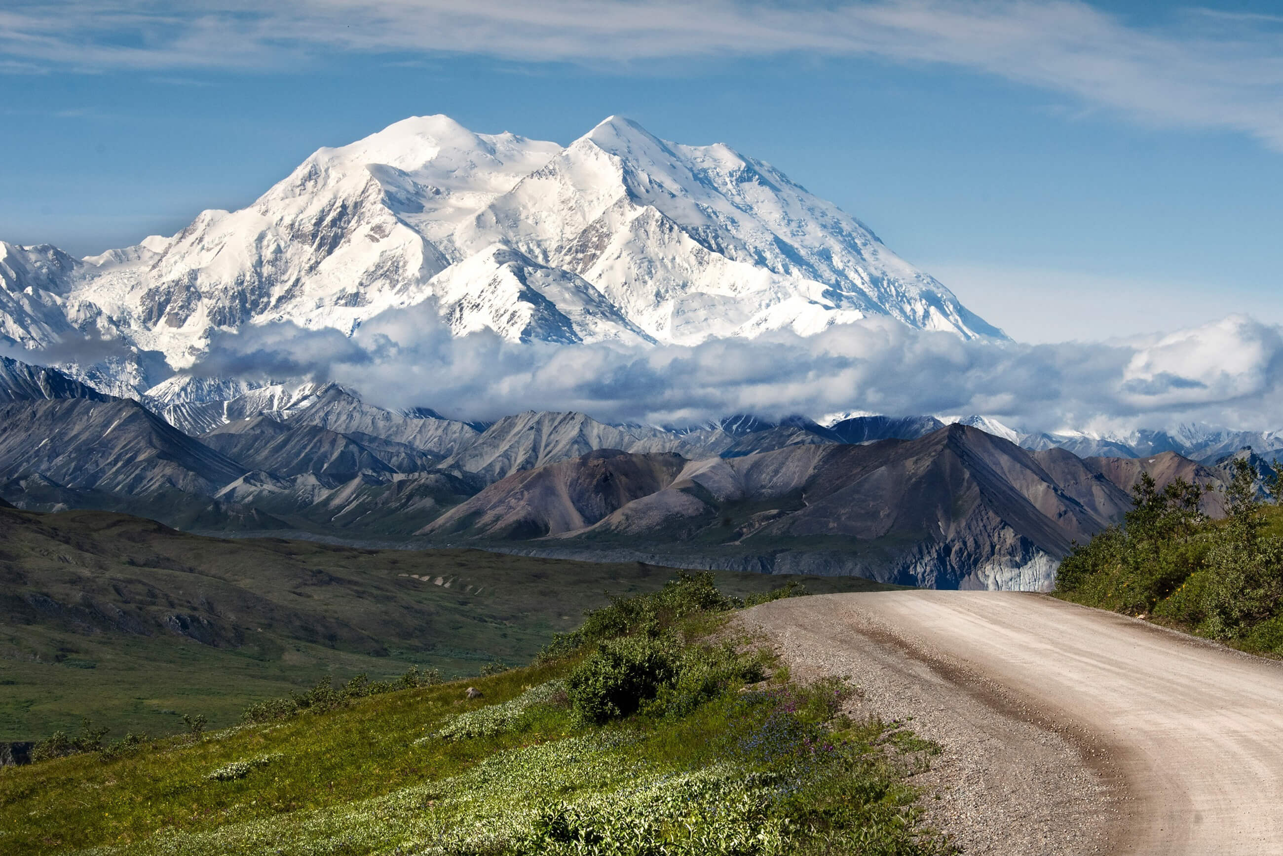 https://bubo.sk/uploads/galleries/16052/mountains-1622731.jpg