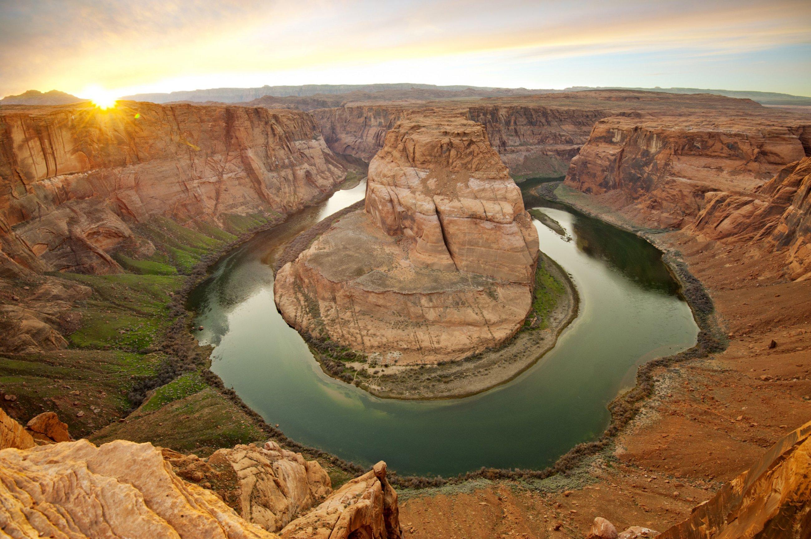 https://bubo.sk/uploads/galleries/16241/grand-canyon-shutterstock-236202247-4-.jpg
