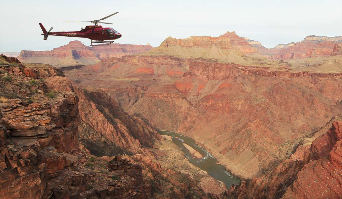https://bubo.sk/uploads/galleries/16241/helicopter-grand-canyon-south.jpg