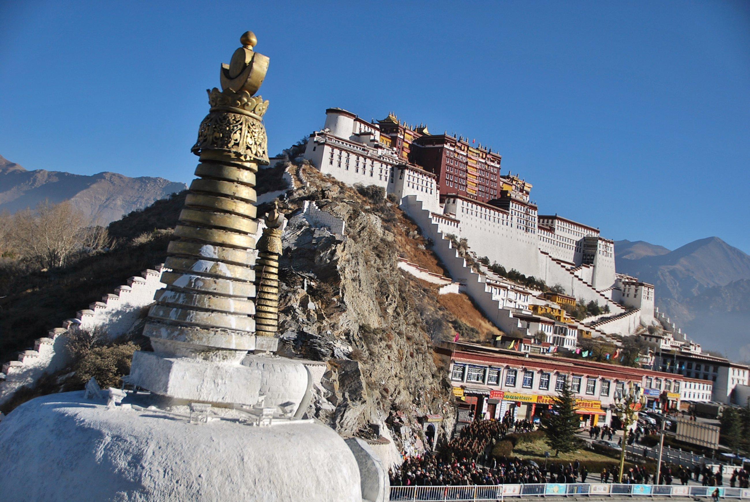 https://bubo.sk/uploads/galleries/16269/tibet-lhasa-ctni-11-2014-mirka-sulka-156-.jpg