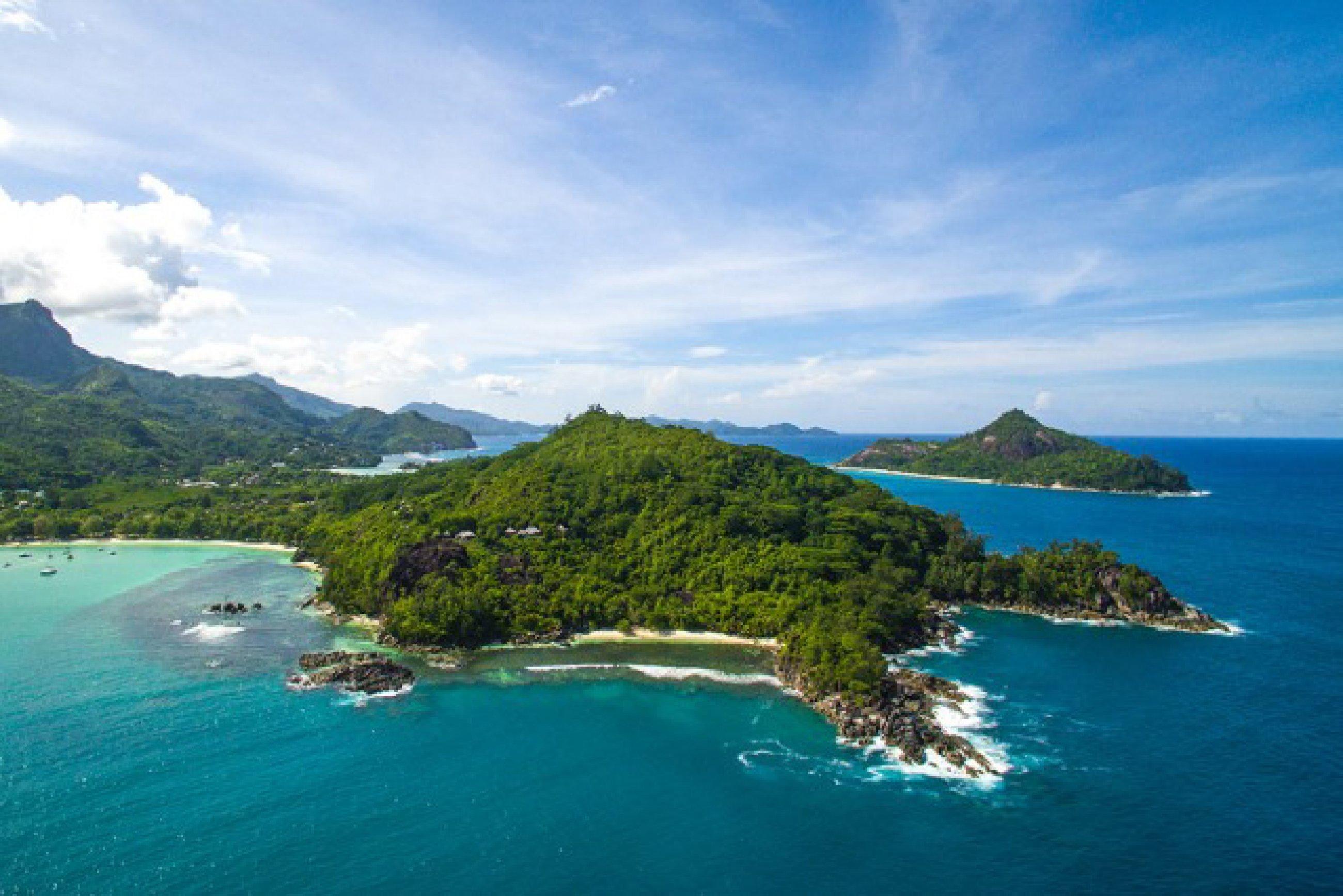 https://bubo.sk/uploads/galleries/16287/ephelia-seychelles-2016-aerial-view-02.jpg
