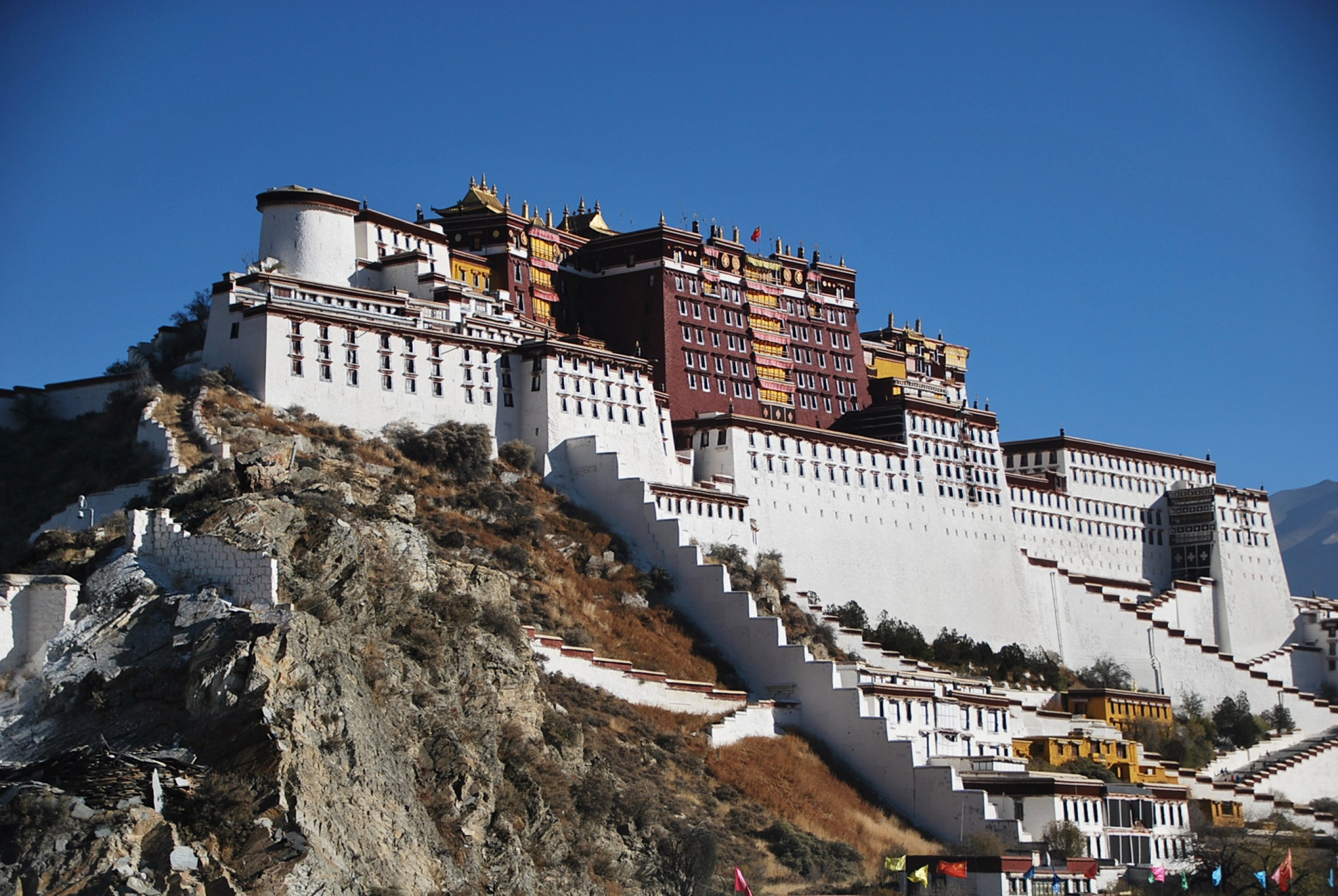 https://bubo.sk/uploads/galleries/16317/tibet-potala-ctni-11-2014-mirka-sulka-157-.jpg