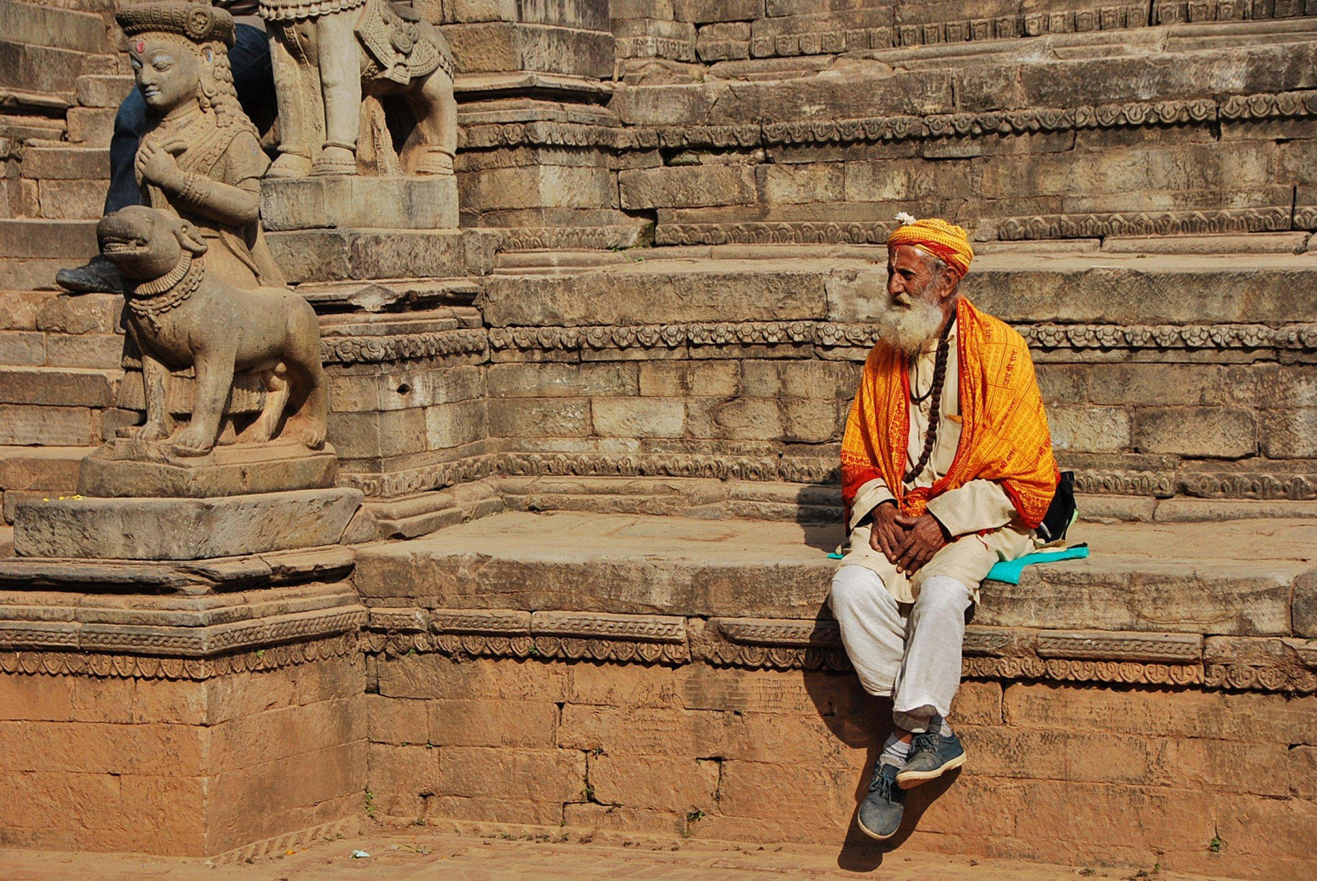 https://bubo.sk/uploads/galleries/16319/nepal-bhaktapur-mirka-sulka.jpg