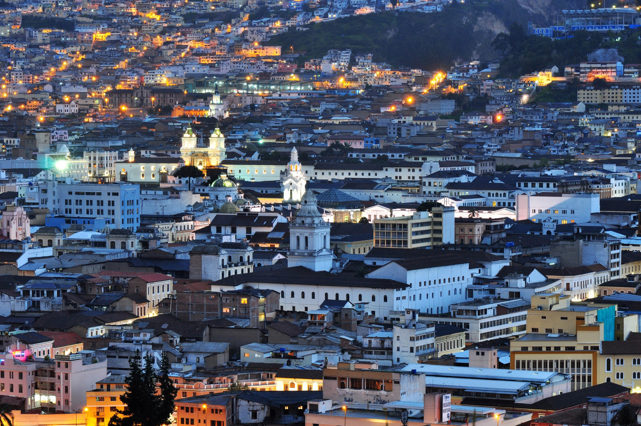 https://bubo.sk/uploads/galleries/16334/ekvador-quito-shutterstock-195064703.jpg