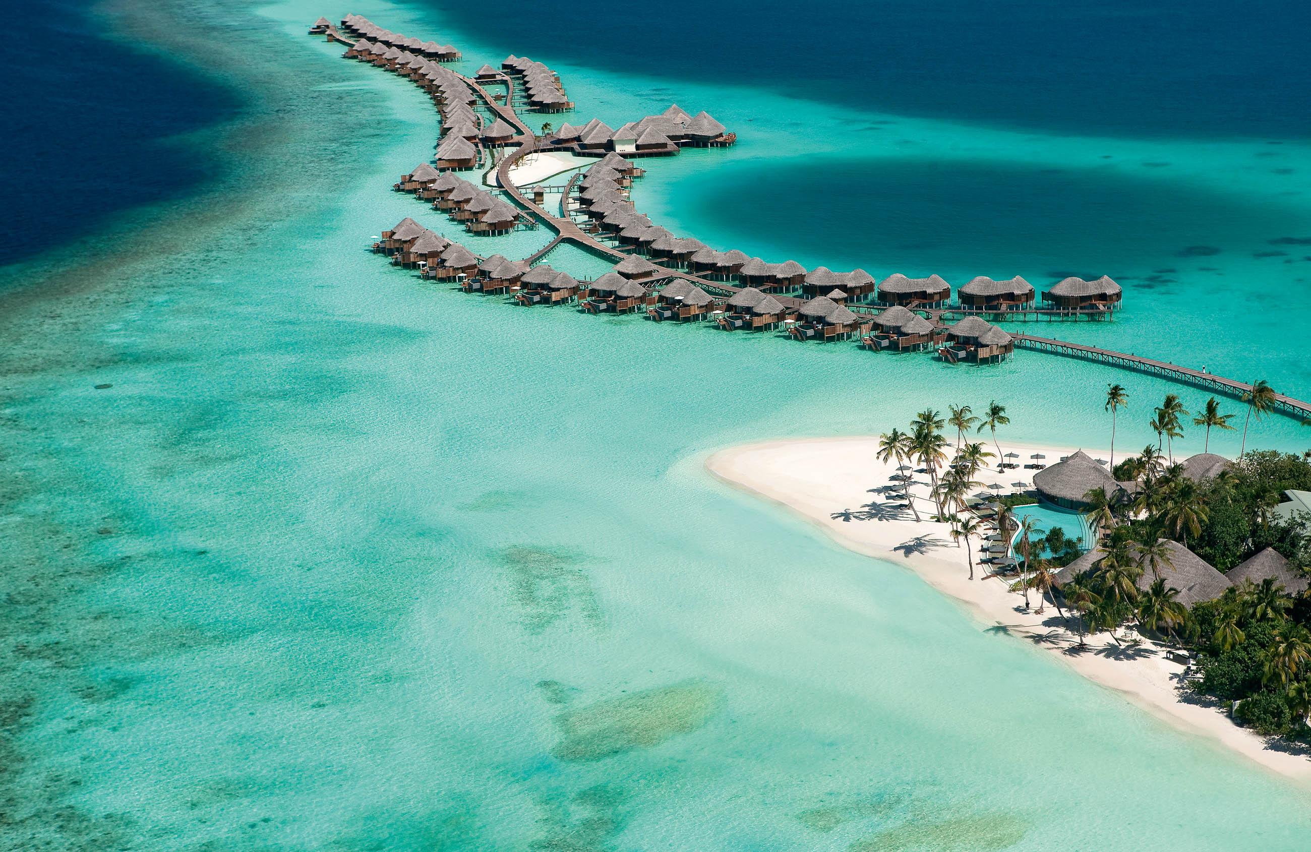 https://bubo.sk/uploads/galleries/16372/halaveli-maldives-aerial-view-9_hd-16.jpg