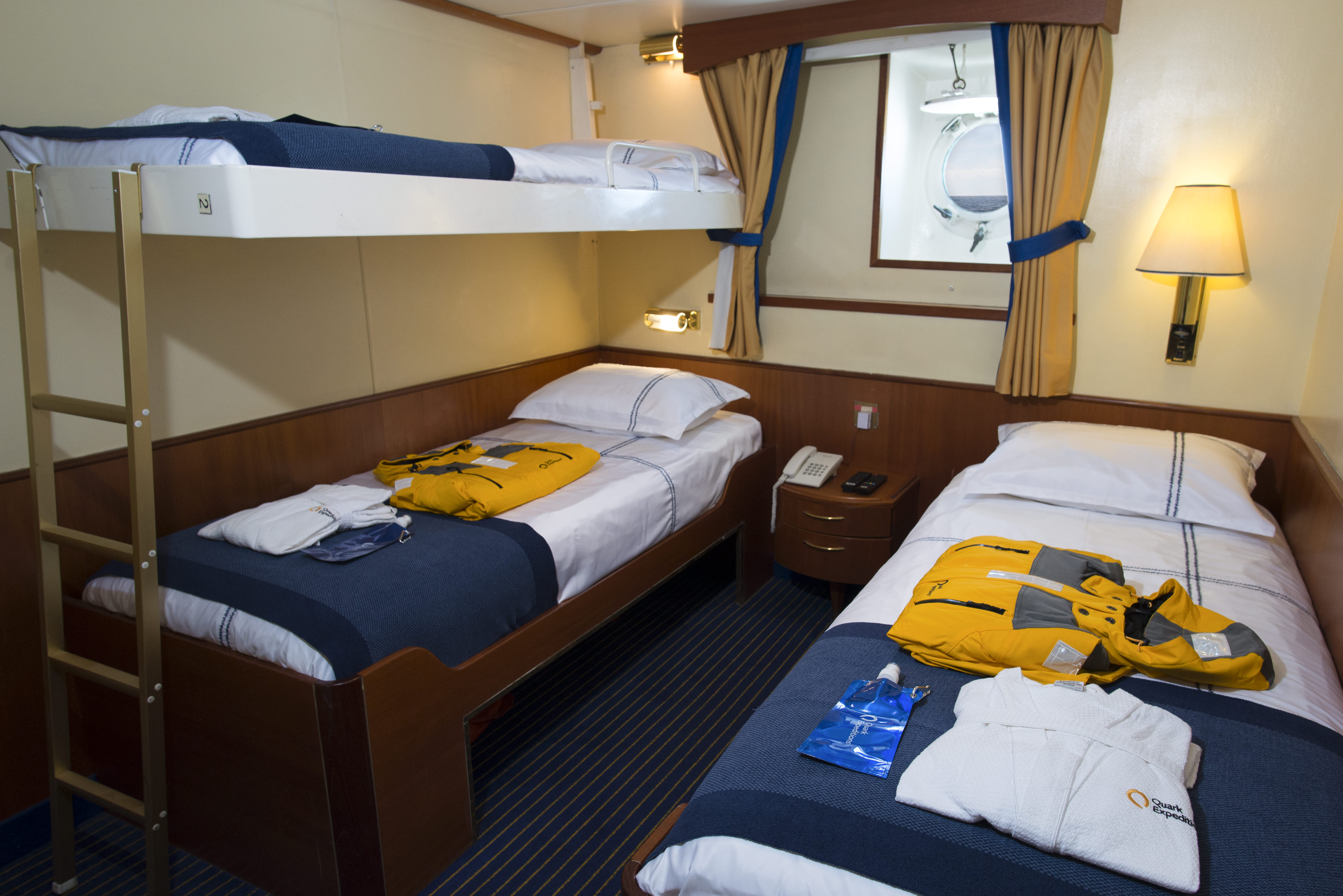 https://bubo.sk/uploads/galleries/16452/triple-cabin---beds---rogelio-espinosa.jpg
