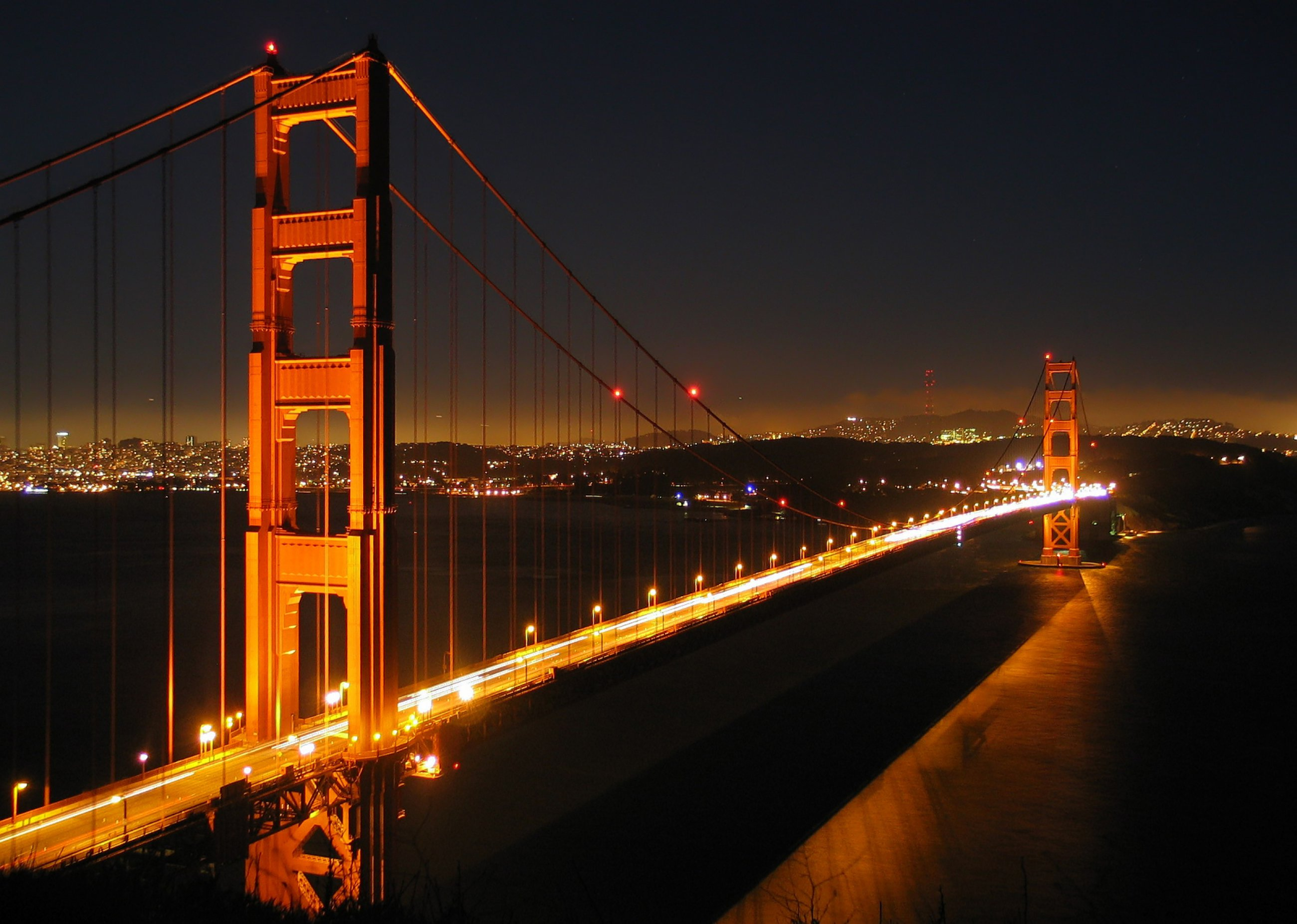 https://bubo.sk/uploads/galleries/16490/sf-wikipedia-ggb-by-night.jpg