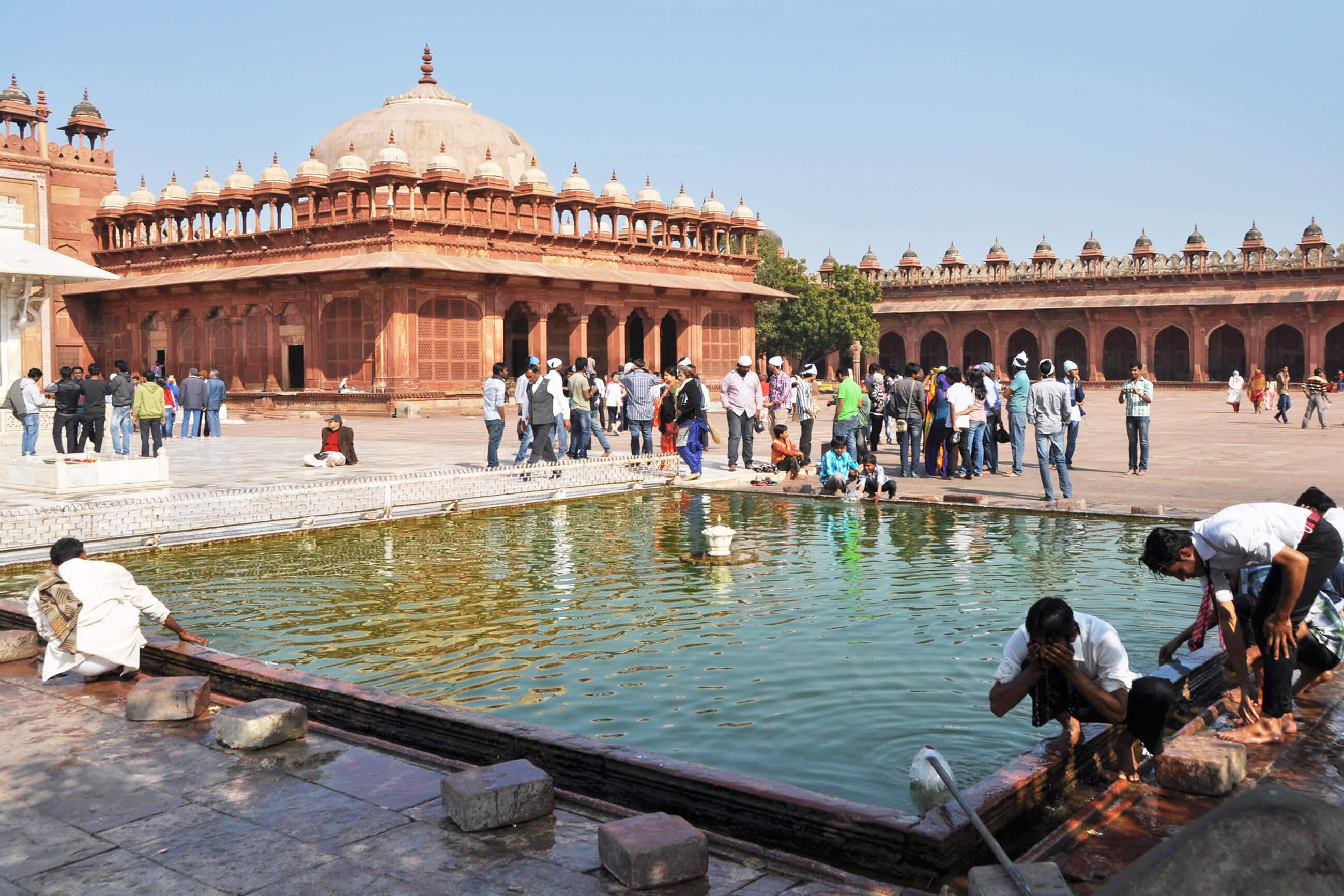 https://bubo.sk/uploads/galleries/16619/tomas-kubus_india_-fatehpur-sikri-1-.jpg
