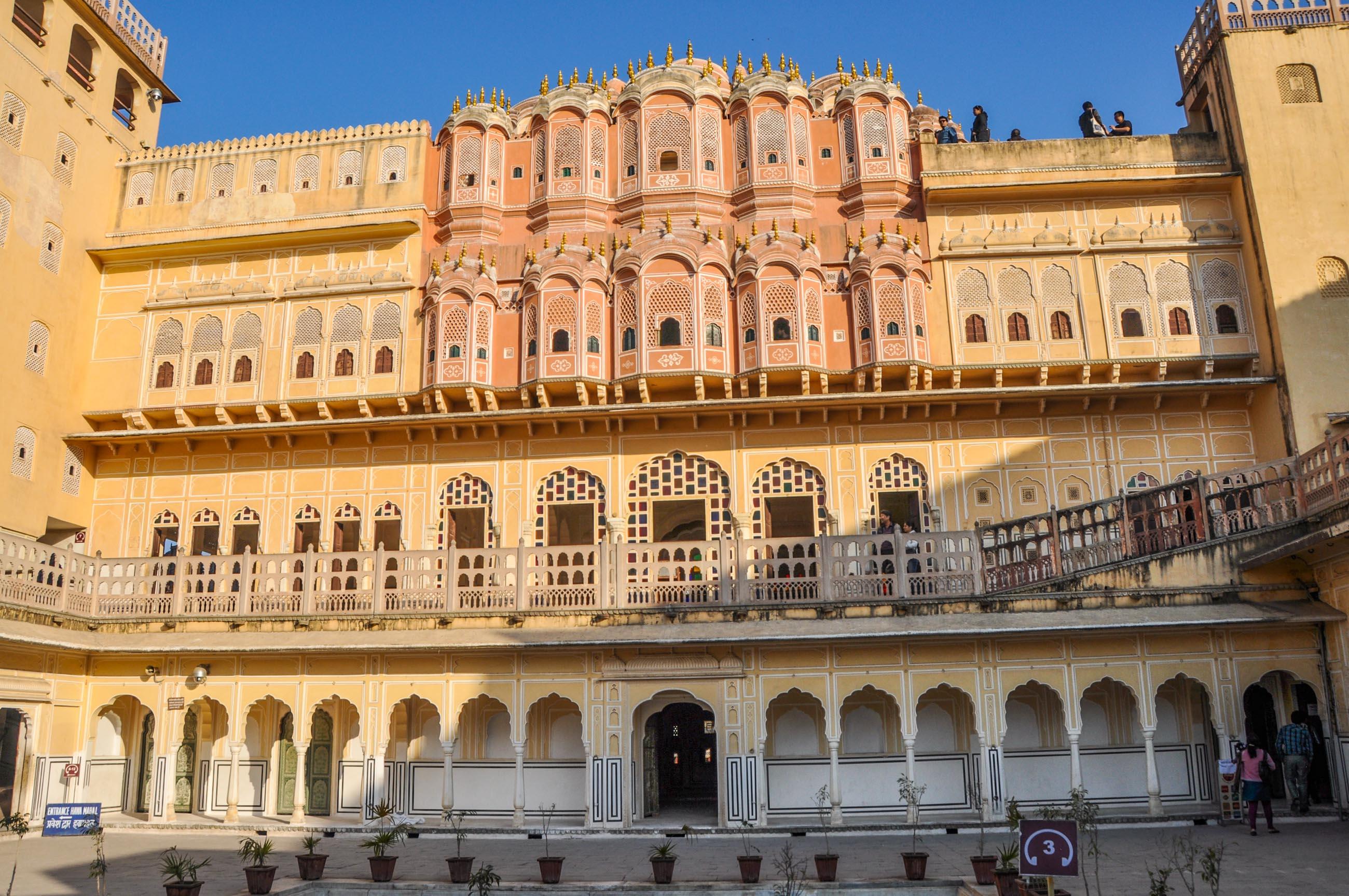 https://bubo.sk/uploads/galleries/16619/tomas_kubus_fatehpur_jaipur_dsc_0110.jpg