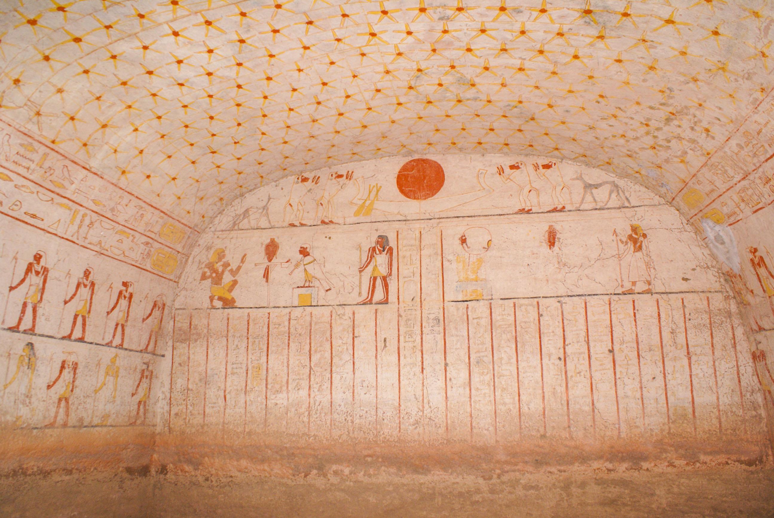 https://bubo.sk/uploads/galleries/17820/lubosfellner_sudan_6a-vnutro-pyramidy-a-ziadni-ini-turisti.jpg