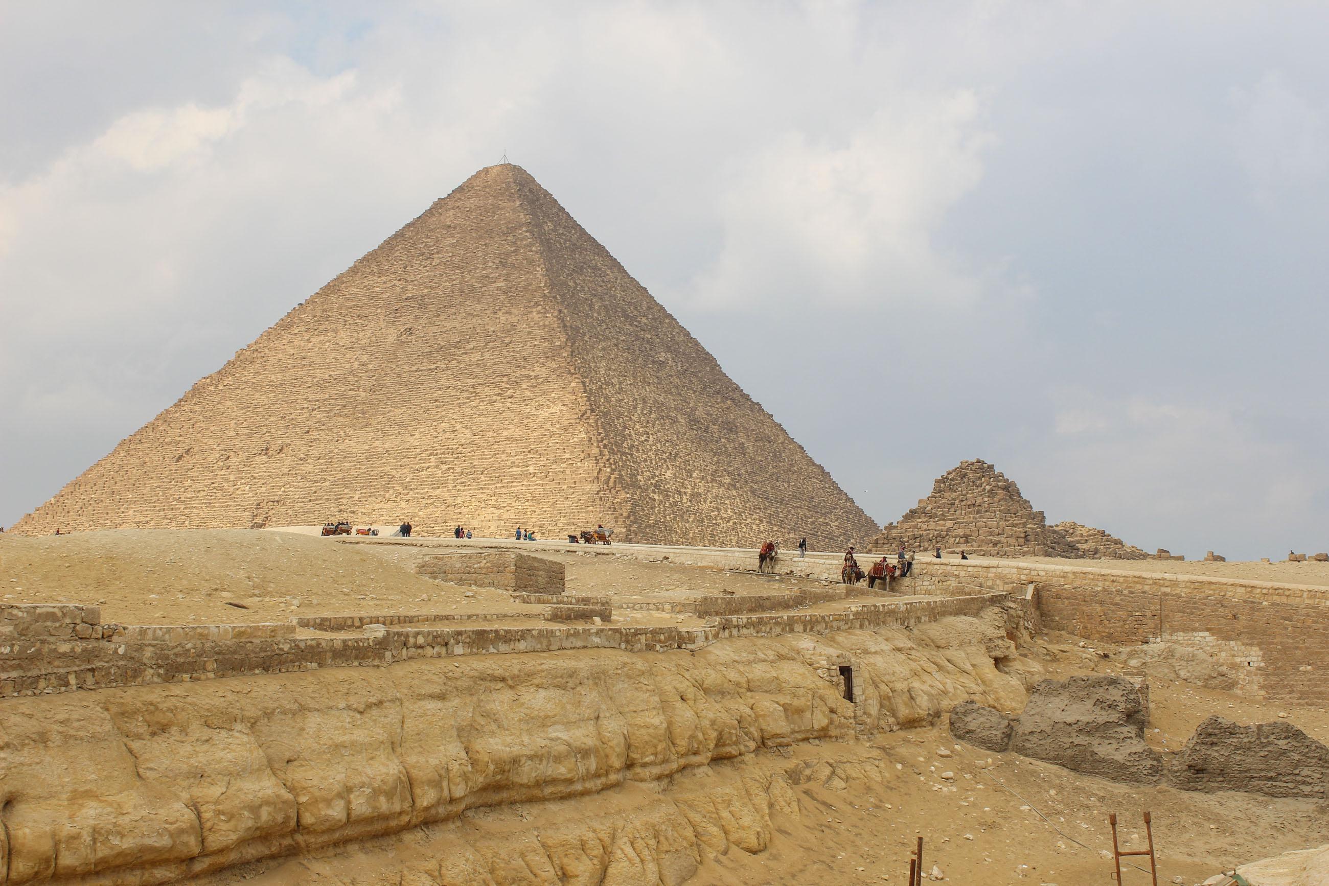 https://bubo.sk/uploads/galleries/18745/kristinabulvasova_egypt_pyramidy_img_6101.jpg