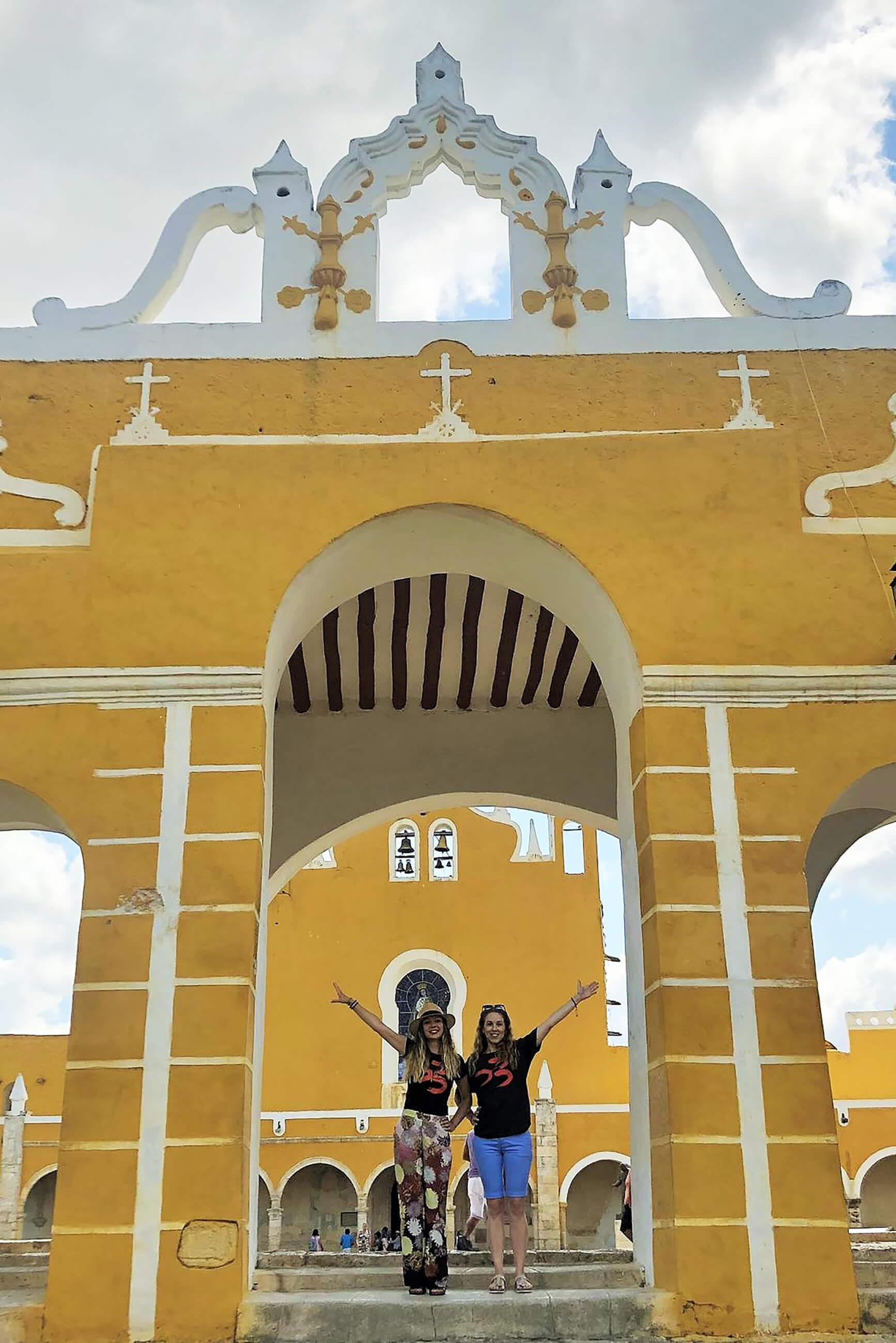 https://bubo.sk/uploads/galleries/3464/lauralackovicova_mexiko_izamal---krasna-zlta-mexicka-dedinka.-1_vysledok.jpg