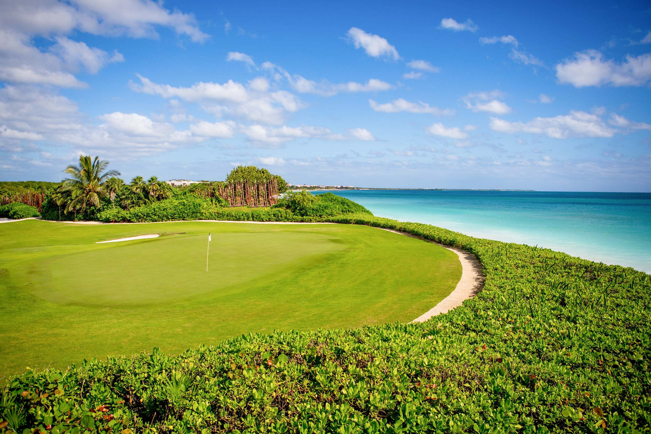 https://bubo.sk/uploads/galleries/3464/mayakoba_rosewood_golf_course-1034_-1-_o.jpg