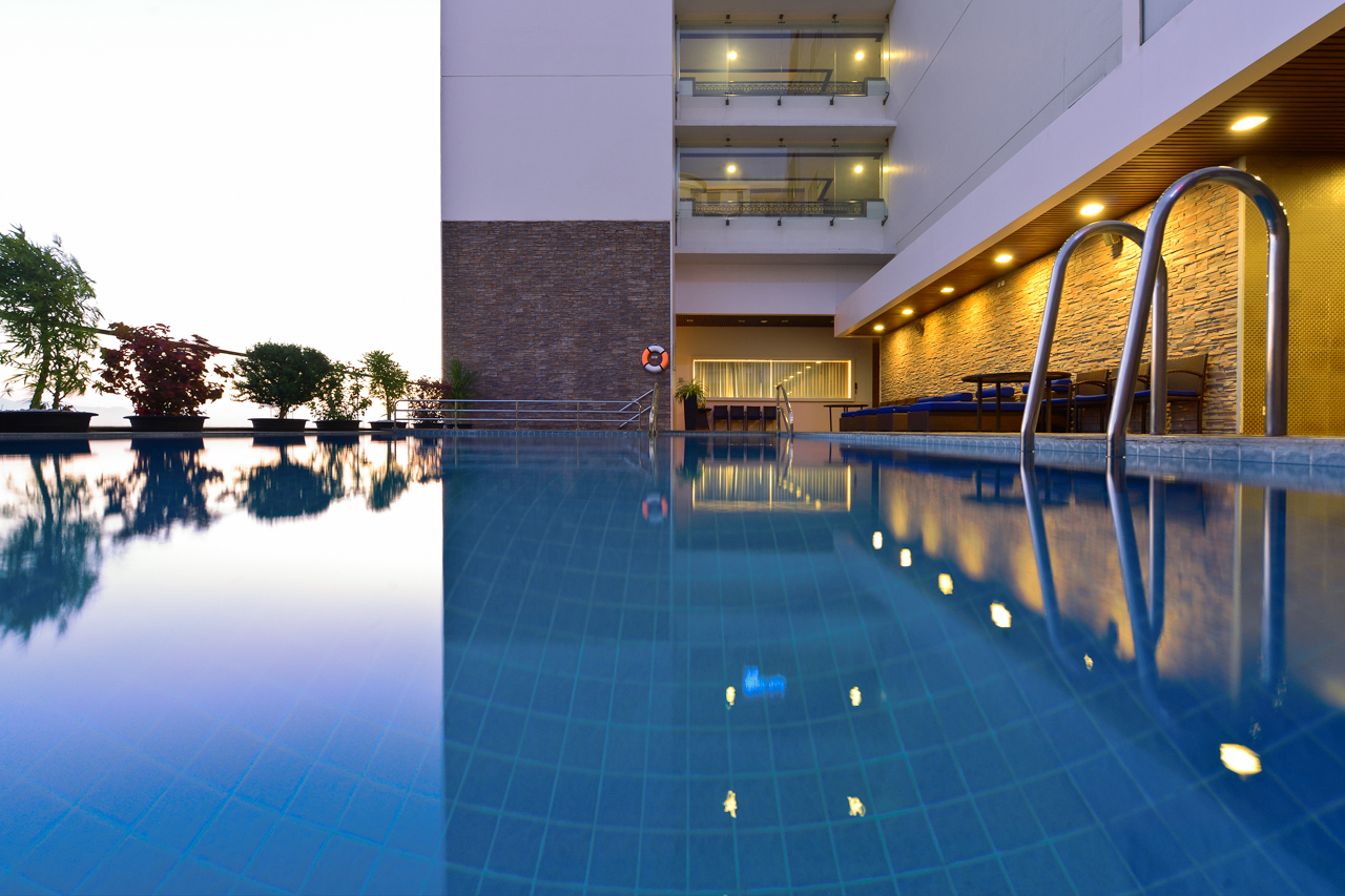 https://bubo.sk/uploads/galleries/3465/novotel-nha-trang---pool.jpg