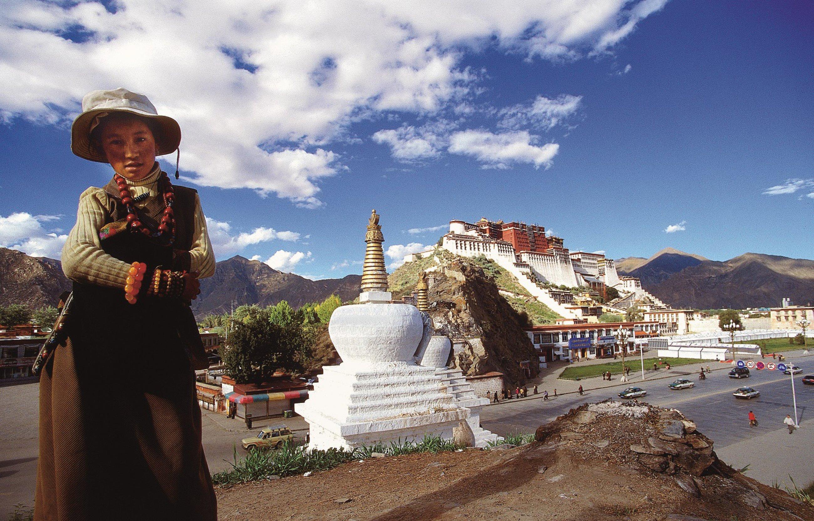 https://bubo.sk/uploads/galleries/3467/tibet-lhasa.jpg