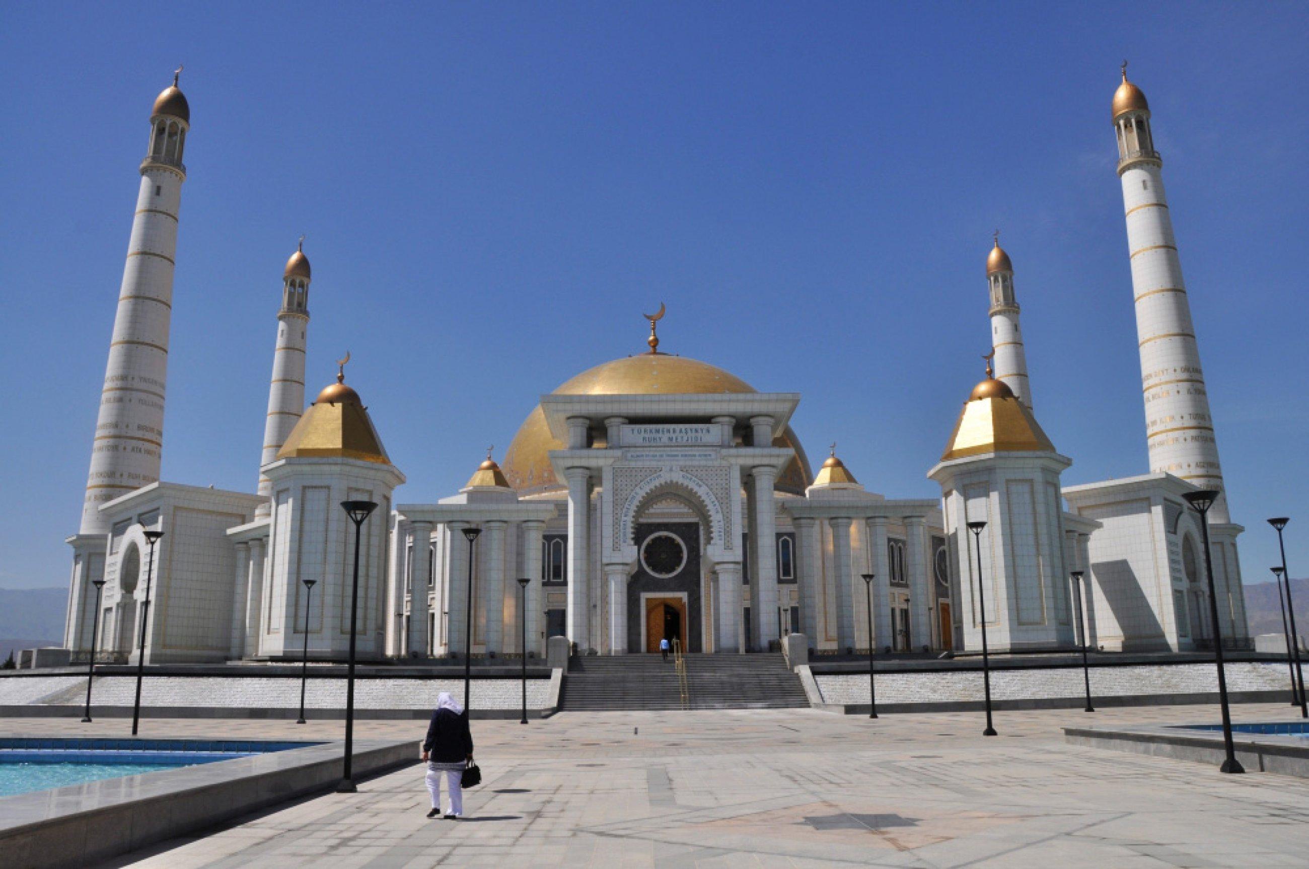 https://bubo.sk/uploads/galleries/3470/turkmenistan-09.jpg