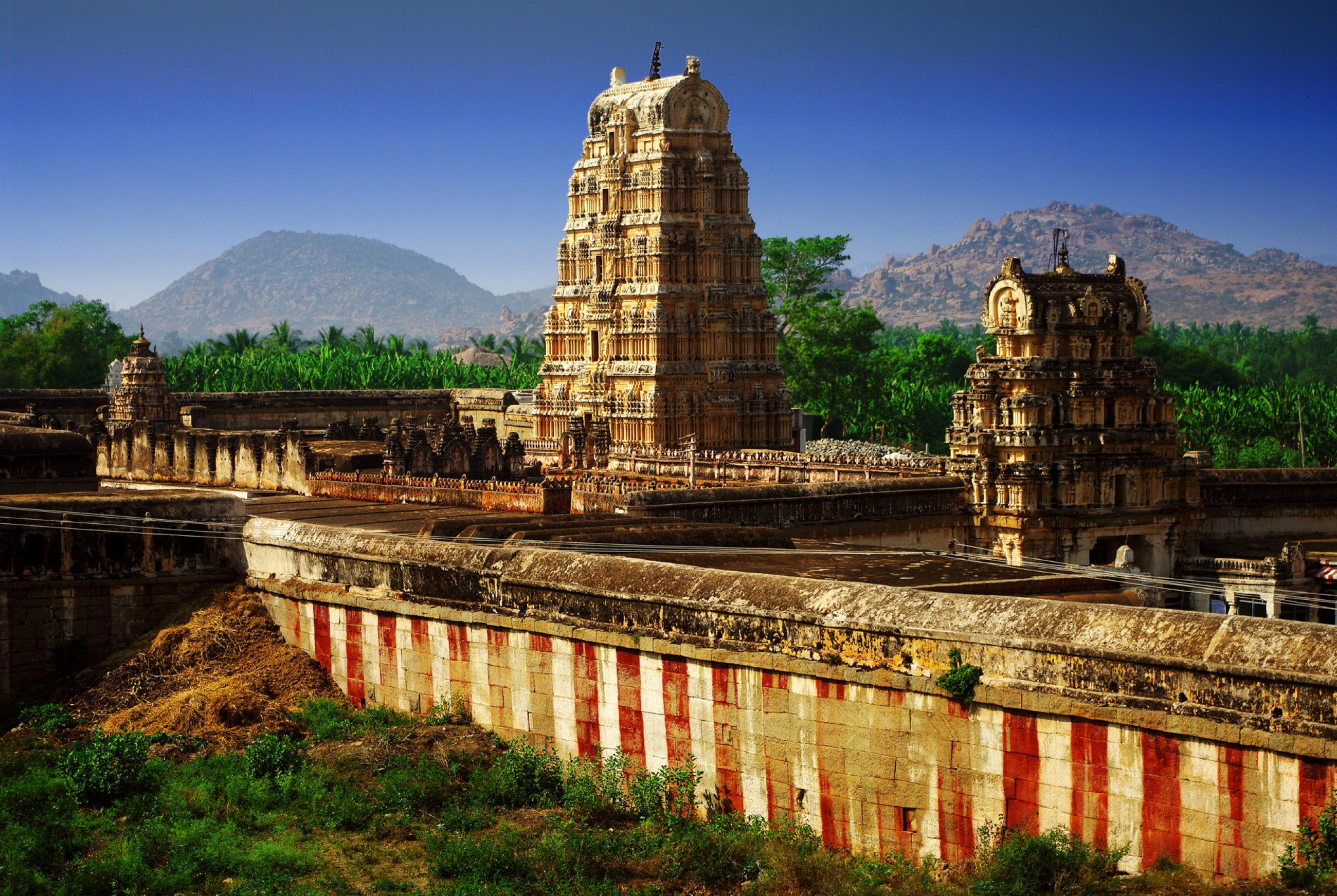 https://bubo.sk/uploads/galleries/4918/hampi-india-dreamstime-xl-26079304.jpg