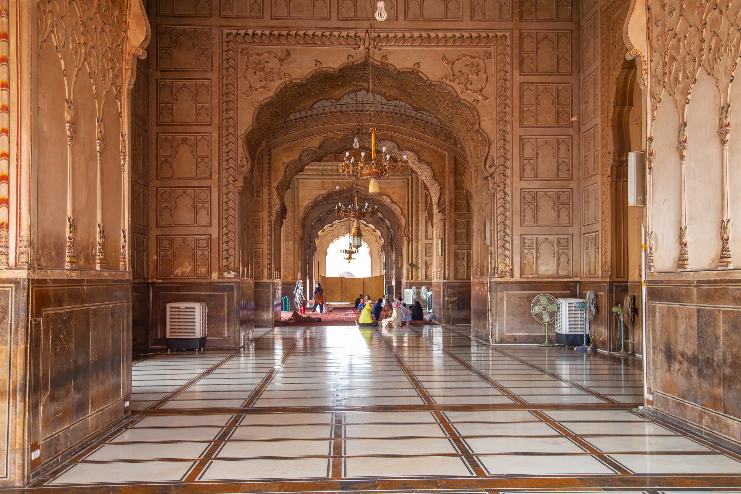 https://bubo.sk/uploads/galleries/4920/samuelklc_pakistan_lahore_img_0021.jpg