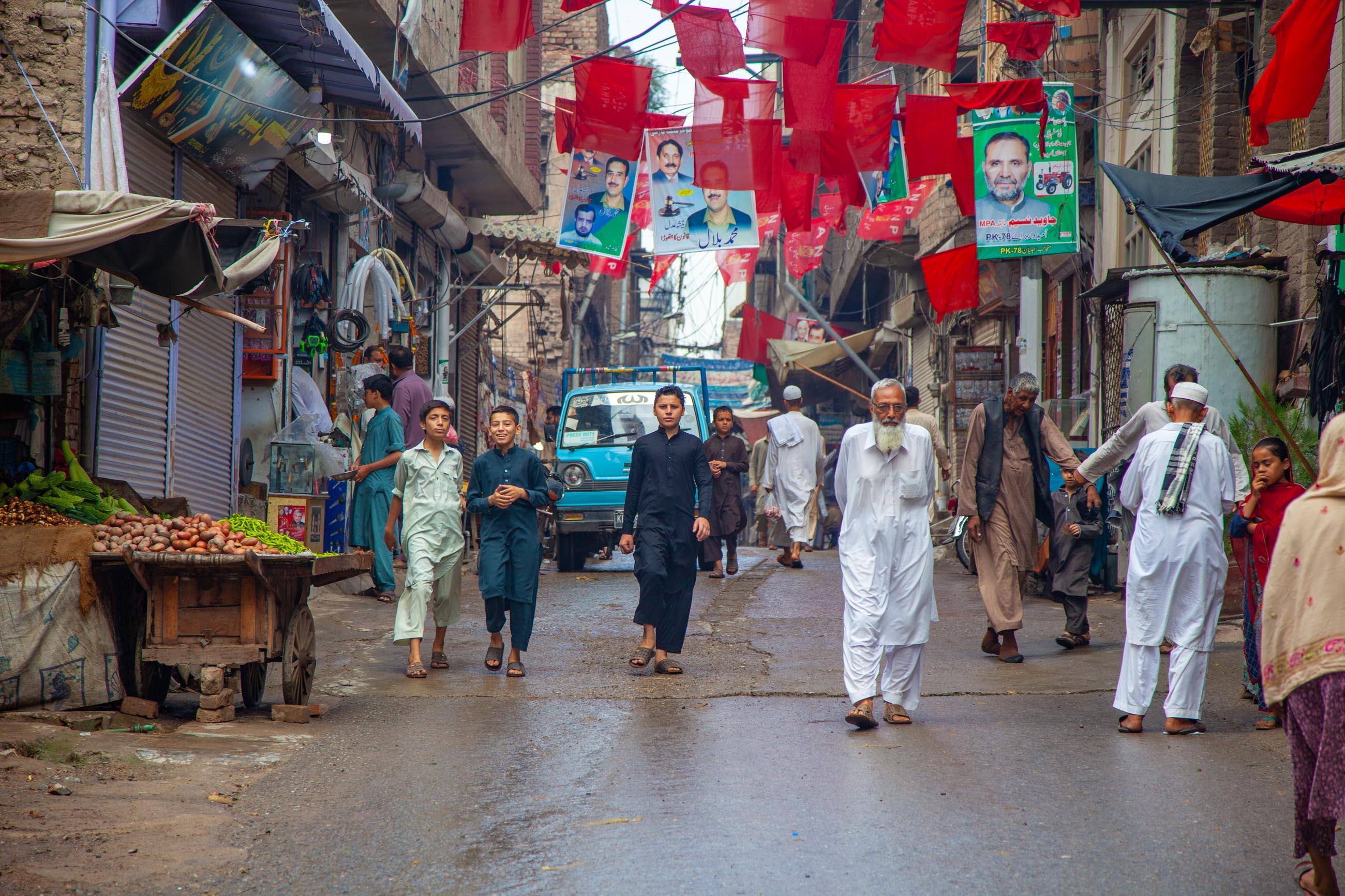 https://bubo.sk/uploads/galleries/4920/samuelklc_pakistan_peshawar_lahore_img_0006.jpg
