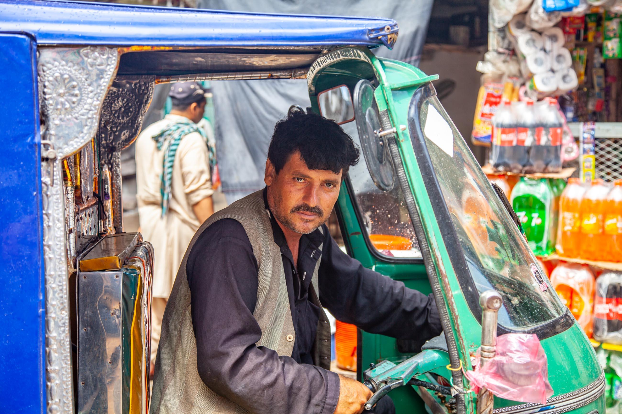 https://bubo.sk/uploads/galleries/4920/samuelklc_pakistan_peshawar_lahore_img_0014.jpg
