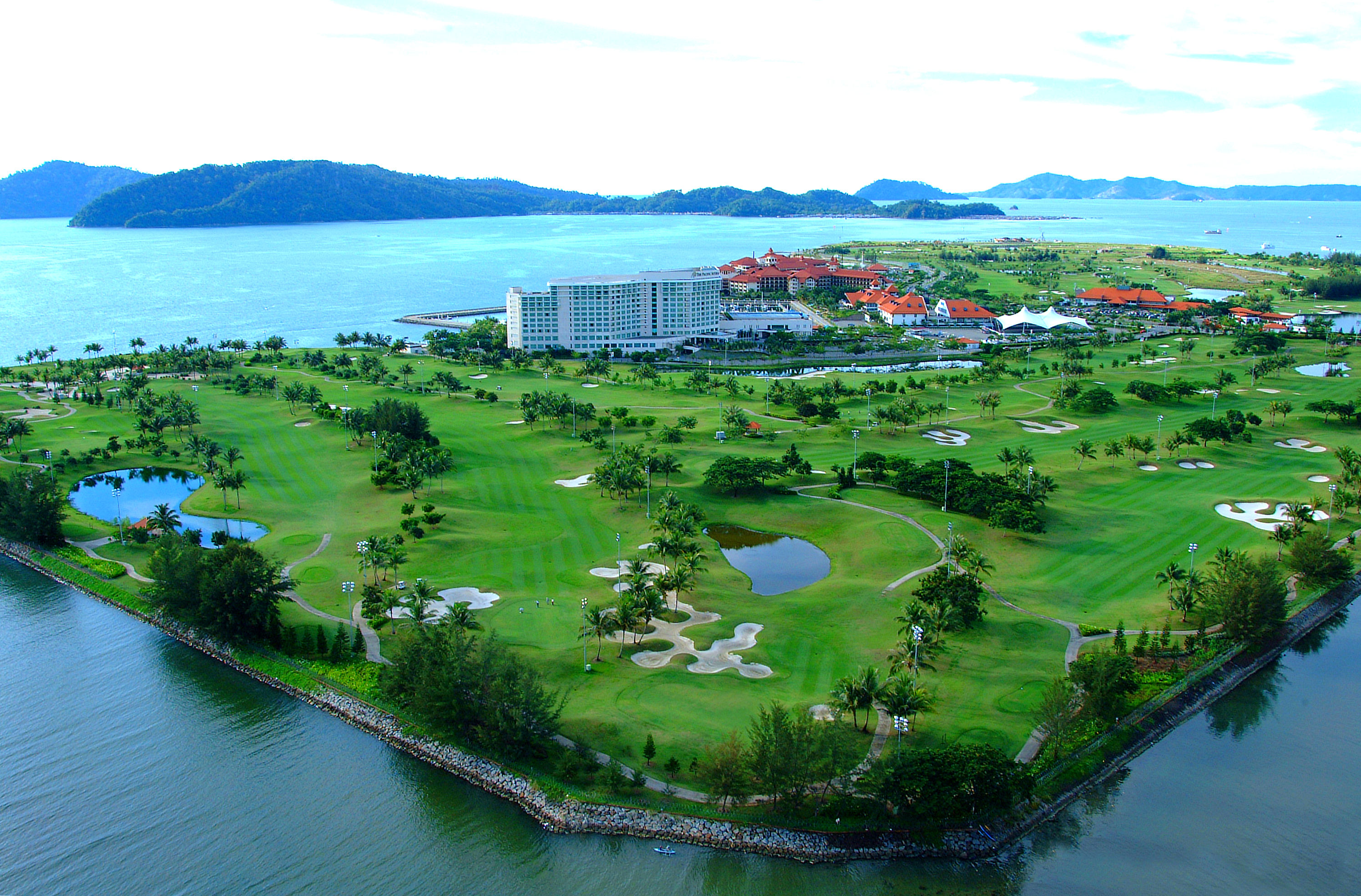 https://bubo.sk/uploads/galleries/4923/sutera_harbour_golf_club_cover_picture.jpg