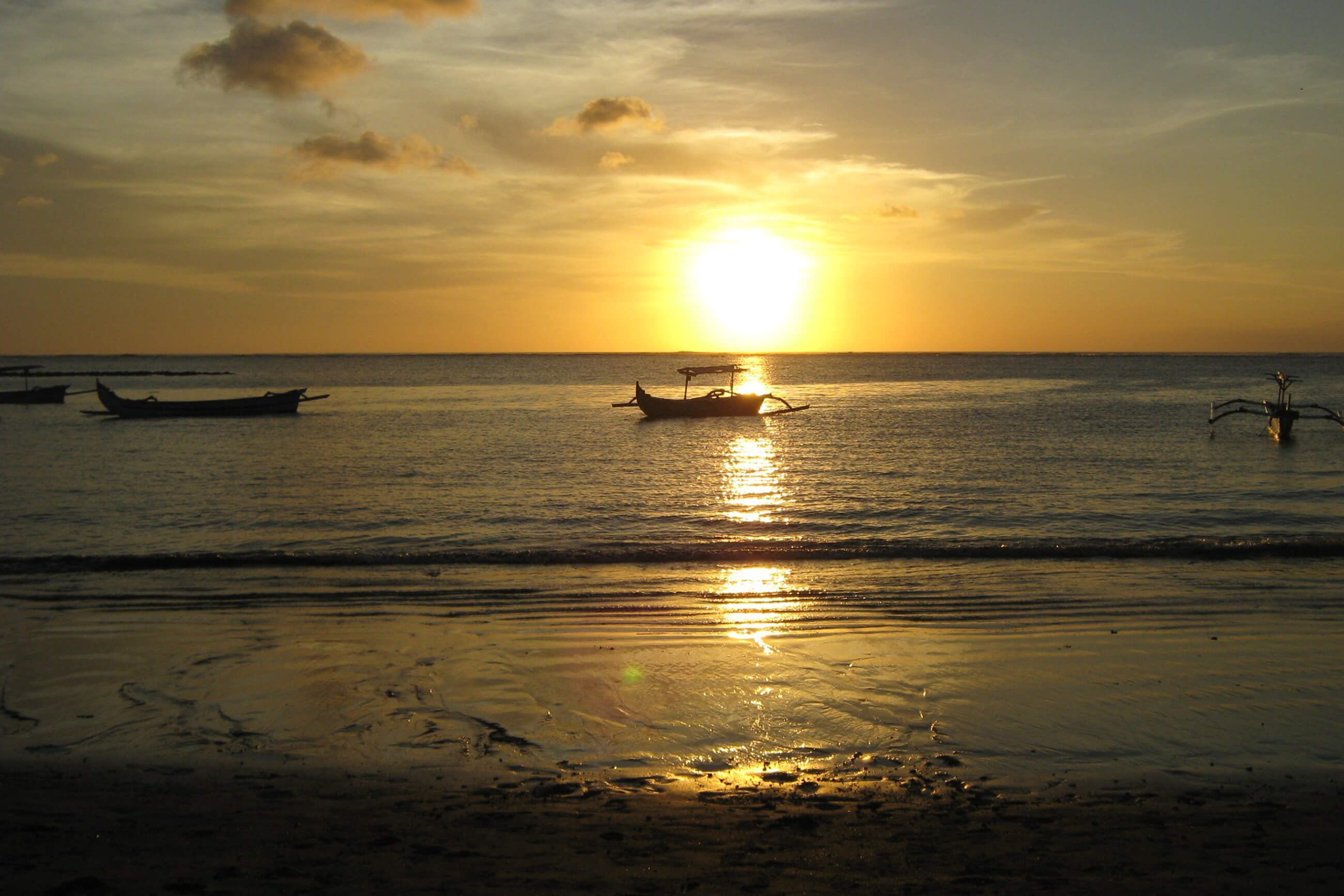 https://bubo.sk/uploads/galleries/4931/pixabay_indonezia_beach-61130-1-.jpg