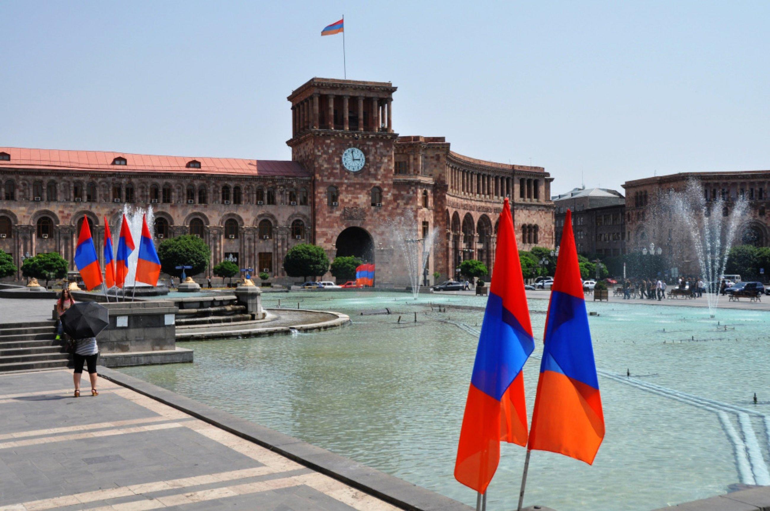 https://bubo.sk/uploads/galleries/4940/armensko04.jpg