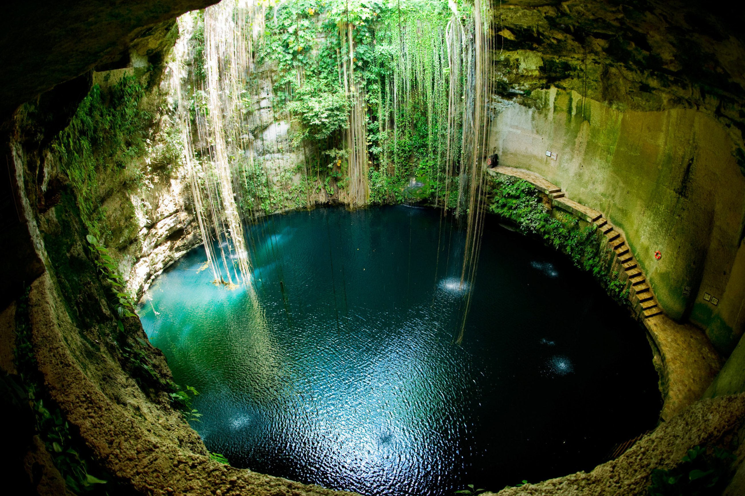 https://bubo.sk/uploads/galleries/5010/cenotes-mexiko-vo-cenotes-2-.jpg