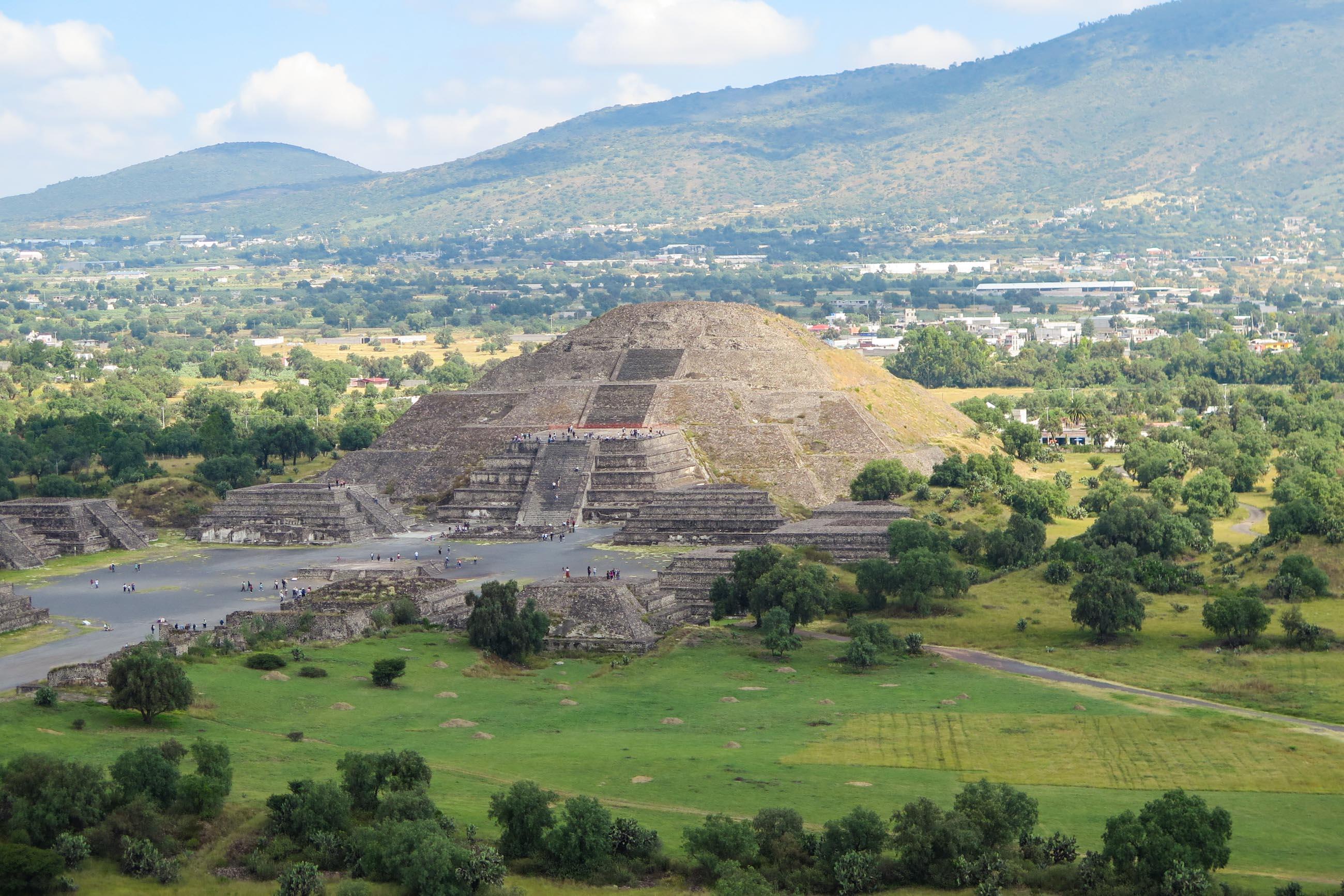 https://bubo.sk/uploads/galleries/5010/ivana_durcova_teotihuacan-4-.jpg