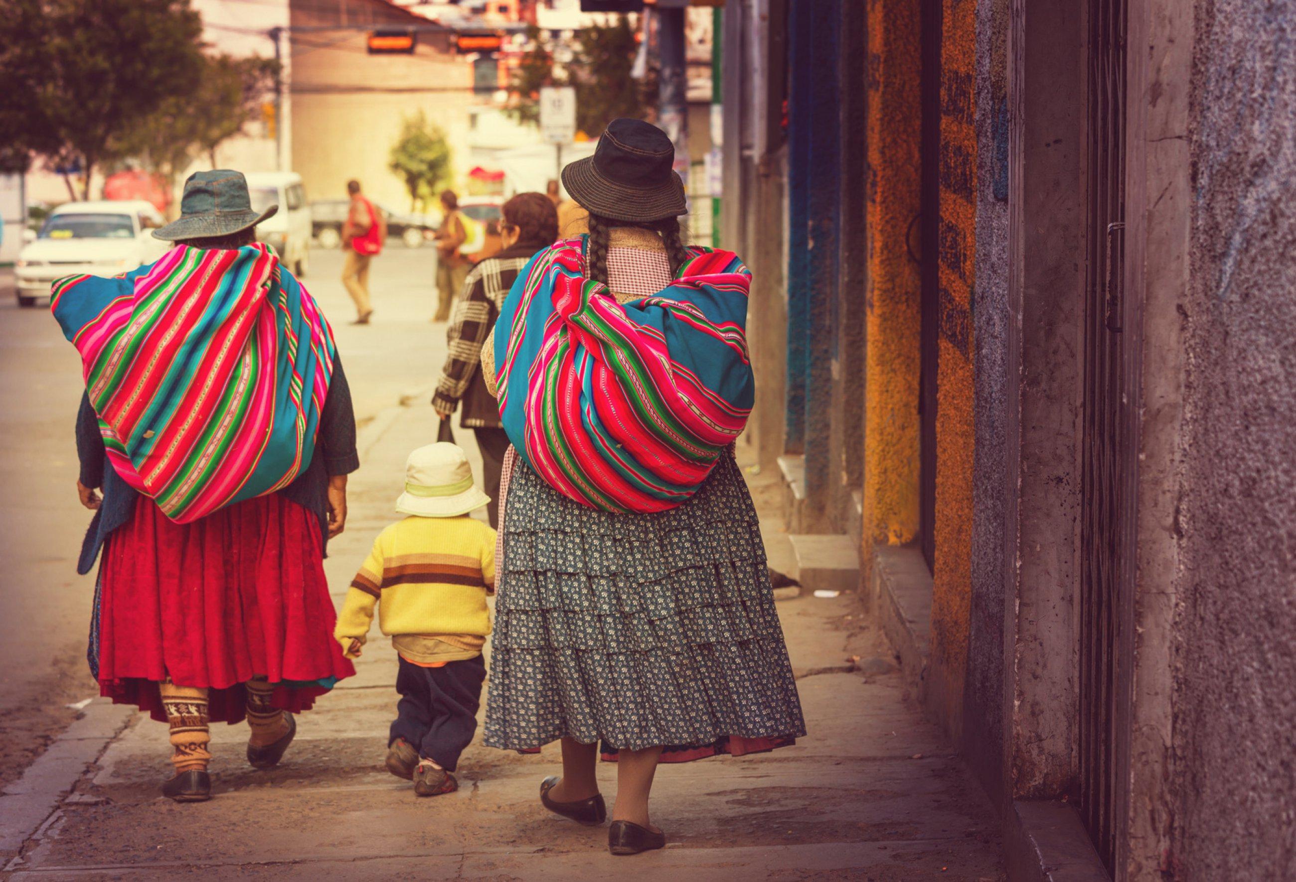 https://bubo.sk/uploads/galleries/5014/bolivia-la-paz-shutterstock-233802457-1-.jpg