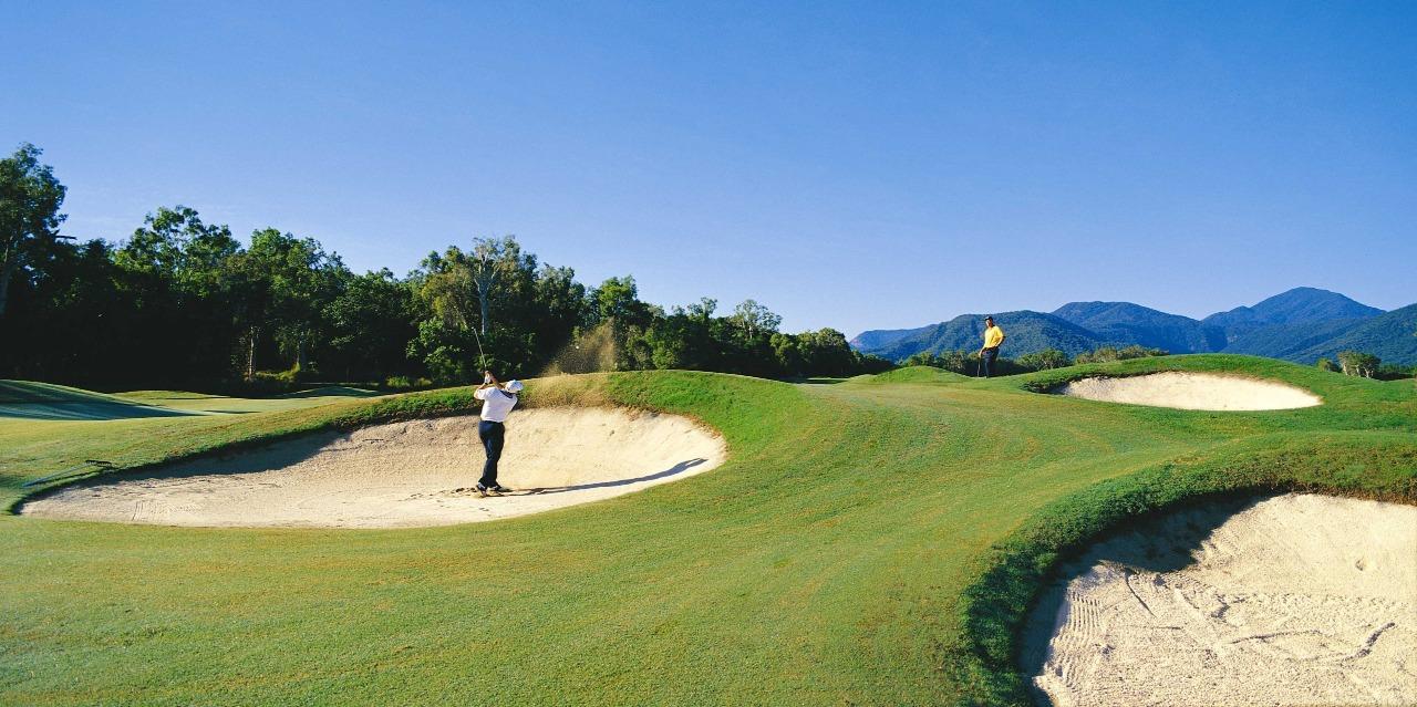 https://bubo.sk/uploads/galleries/5028/golfing-cairns-20212_1280x639.jpg
