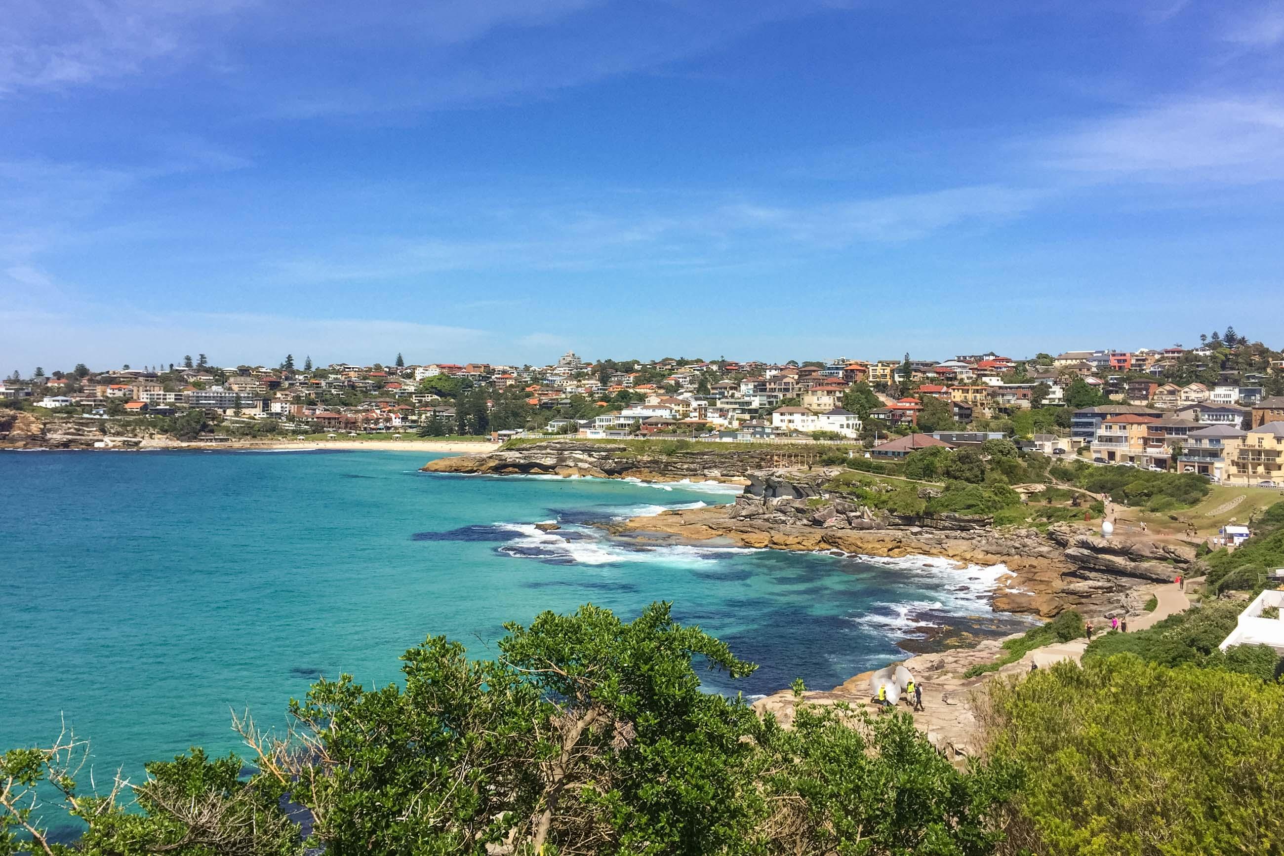 https://bubo.sk/uploads/galleries/5028/veron_hulikova_australia_sydney_bondi_beach_pohlad_nabronte2.jpg