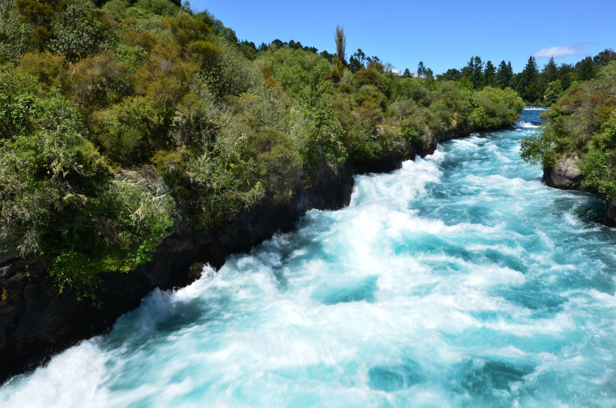 https://bubo.sk/uploads/galleries/5033/nz-huka-falls-dreamstime-xl-35679433-2-.jpg