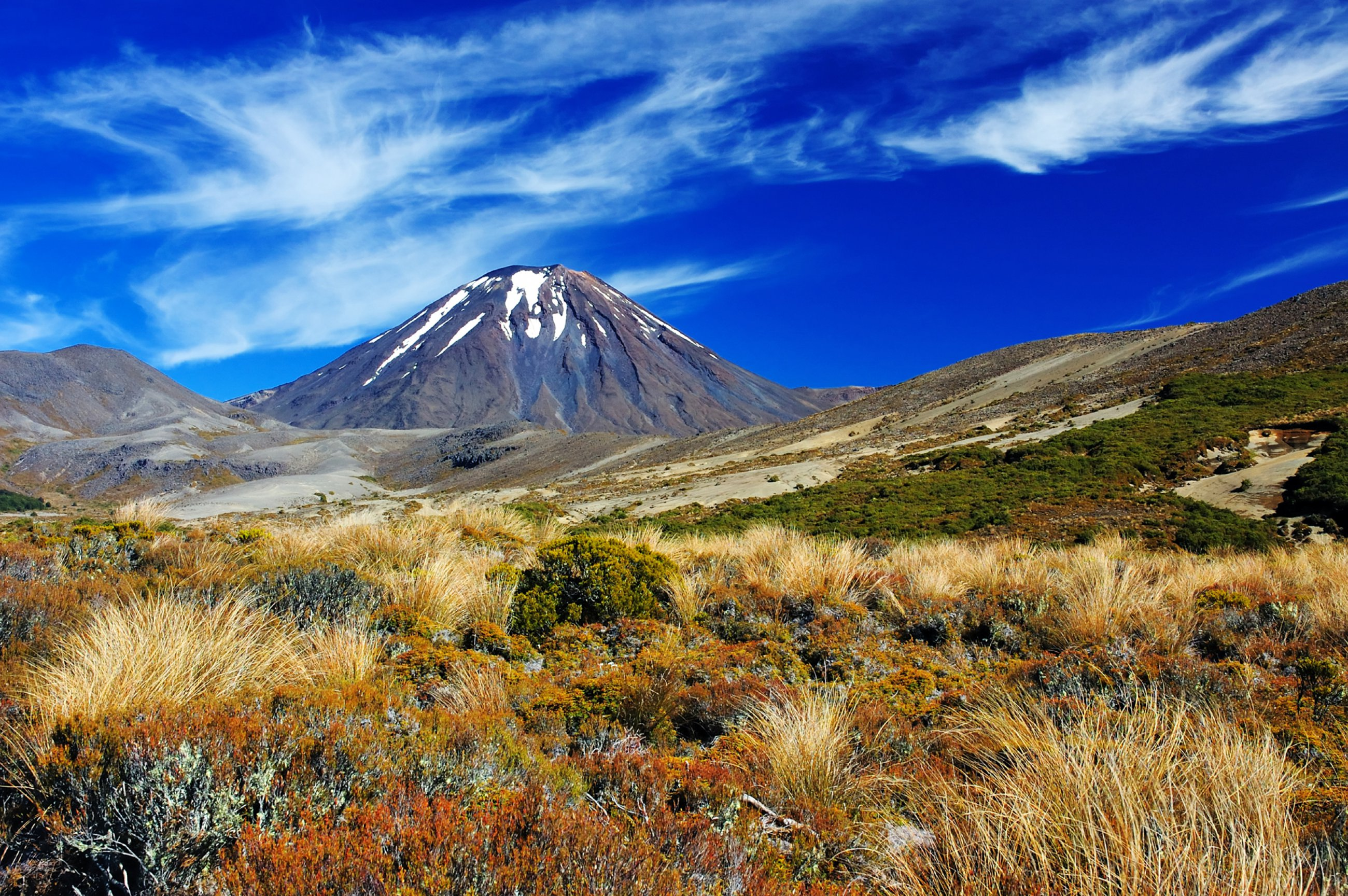 https://bubo.sk/uploads/galleries/5033/tongariro-shutterstock-35700307-3-.jpg