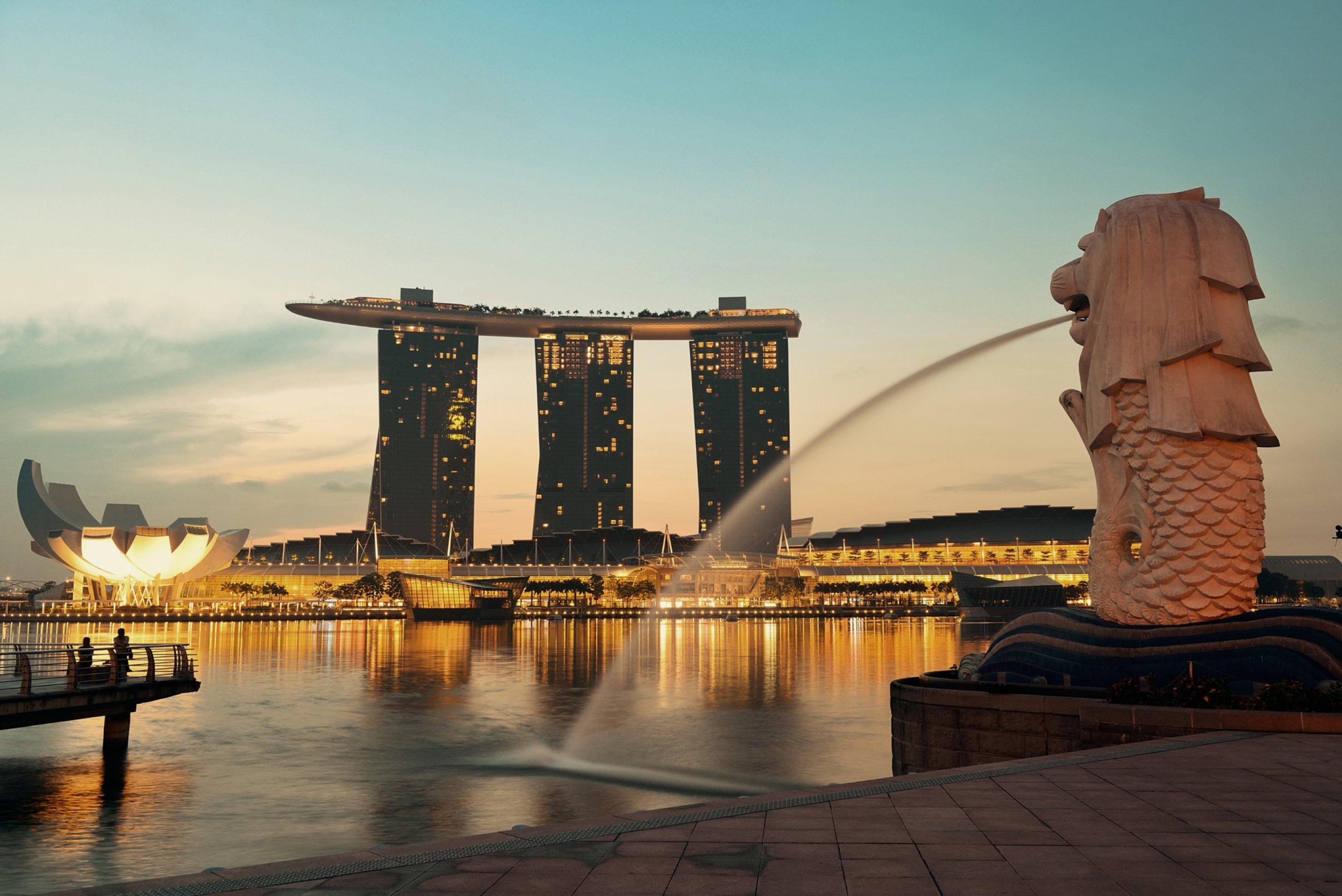 https://bubo.sk/uploads/galleries/5035/singapore-shutterstock-270411809.jpg