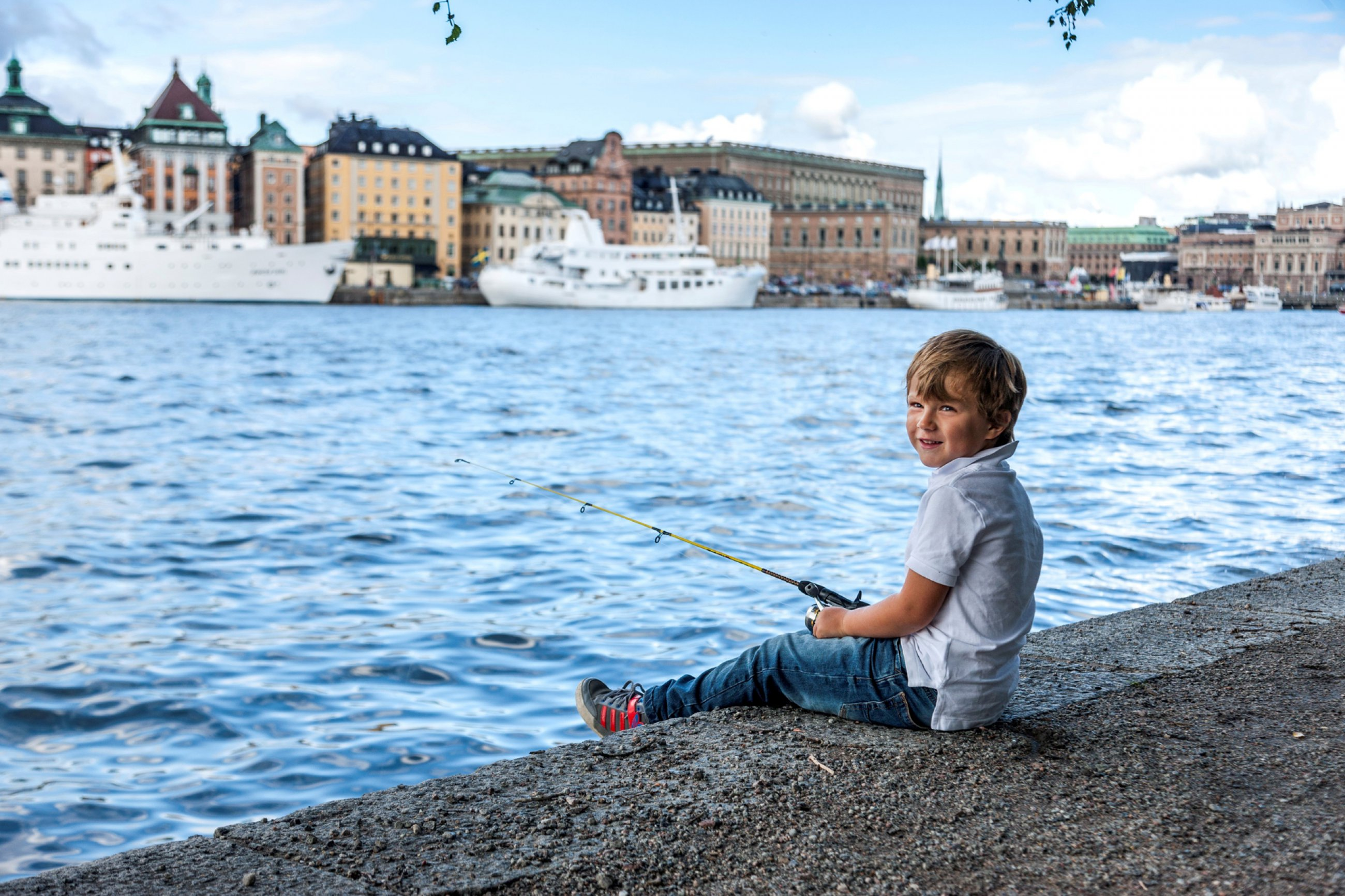 https://bubo.sk/uploads/galleries/5038/svedsko-stockholm-trygg-fishing-sthlm-14-050-822-high-res.jpg