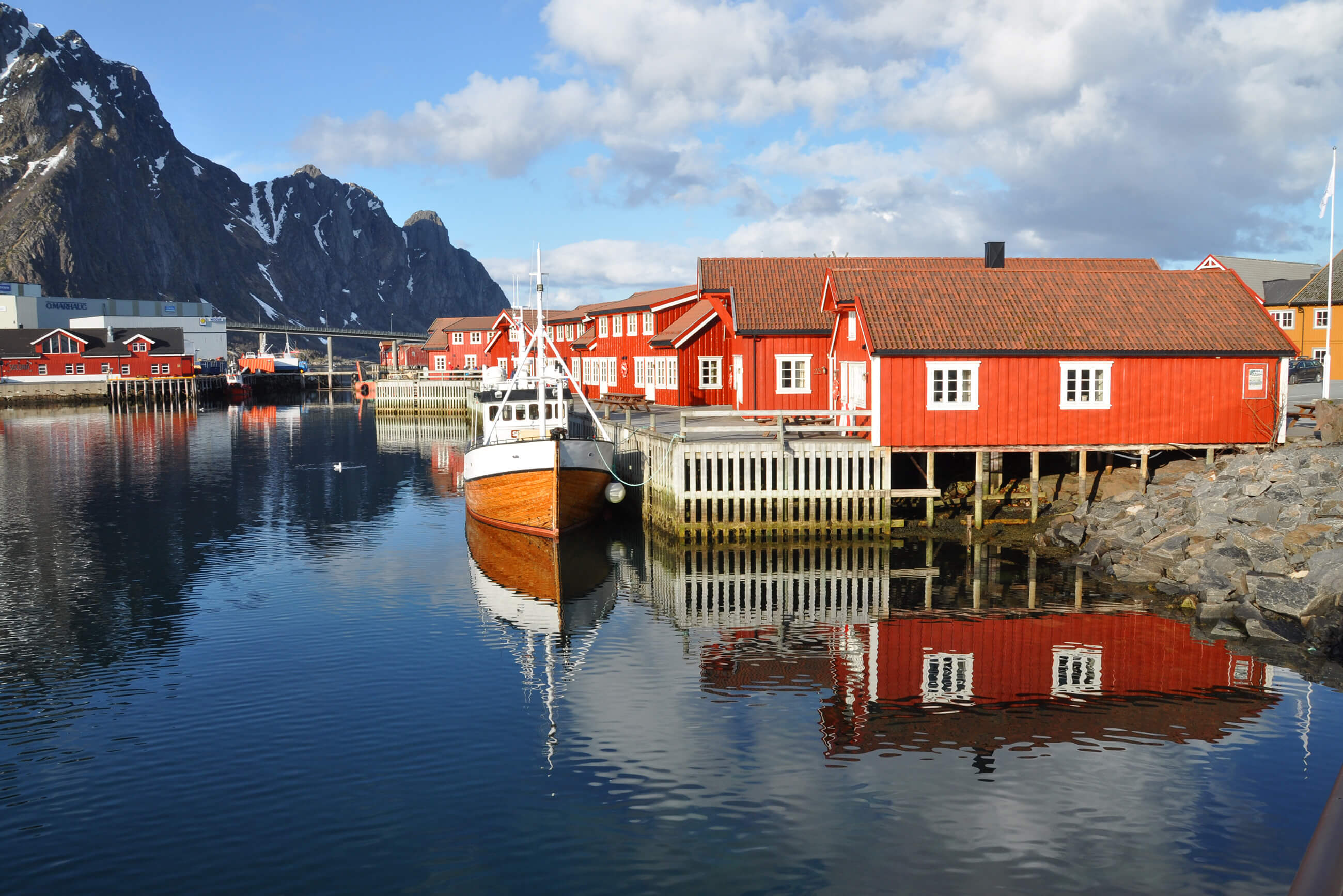 https://bubo.sk/uploads/galleries/5043/svolvar-norway-hgr-109838--photo_photo_competition.jpg