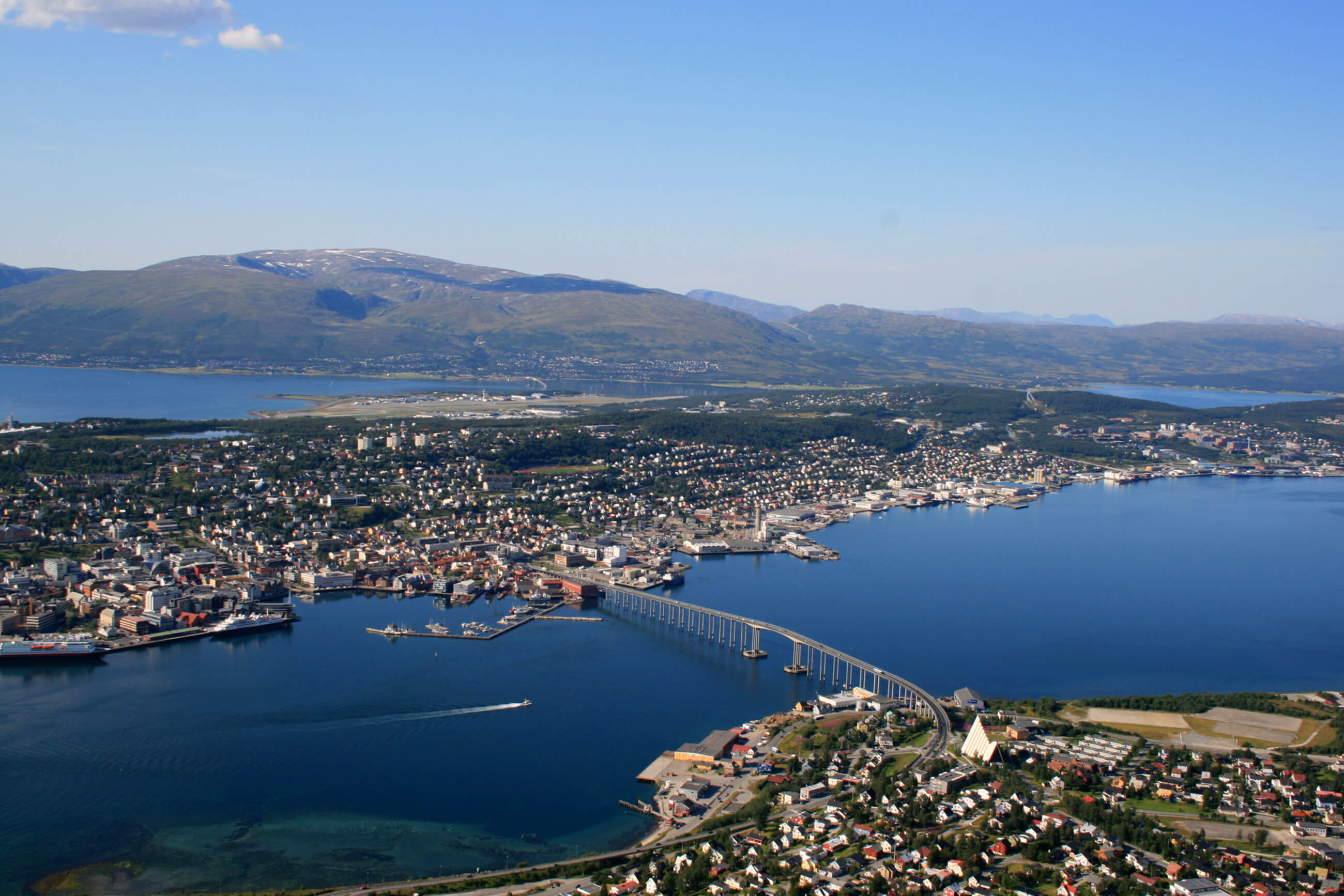 https://bubo.sk/uploads/galleries/5043/tromso-norway-hgr-111948--photo_photo_competition.jpg