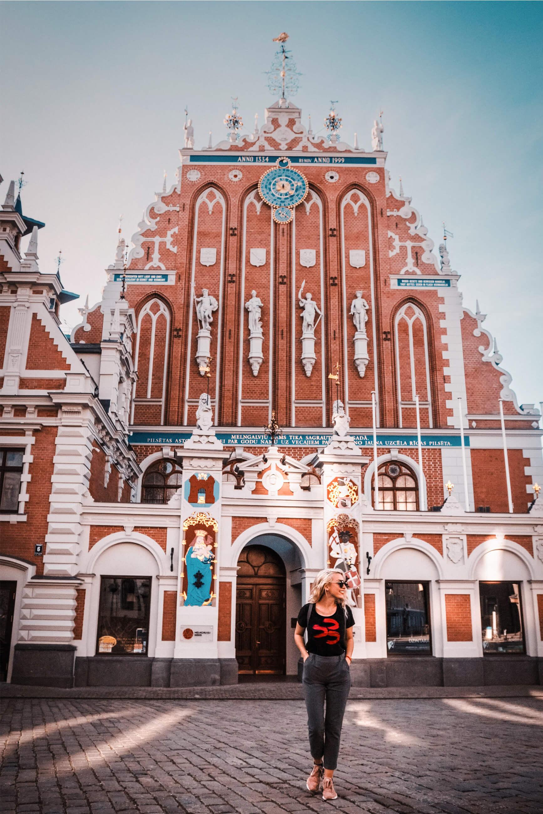 https://bubo.sk/uploads/galleries/5045/zuzkahabekova_lotyssko_riga_bratstvociernychhlav-40.jpg