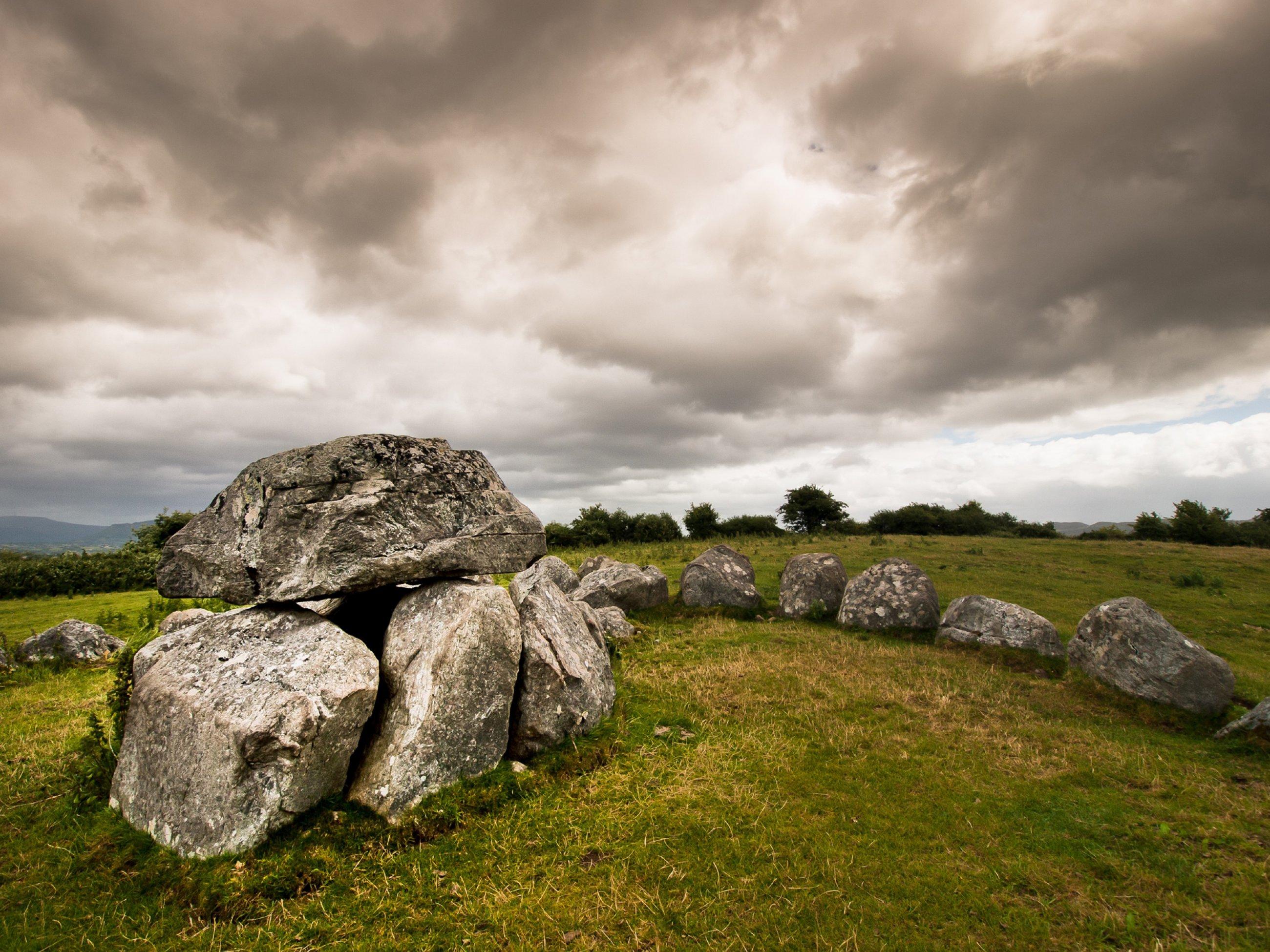 https://bubo.sk/uploads/galleries/5047/dolmen.jpg