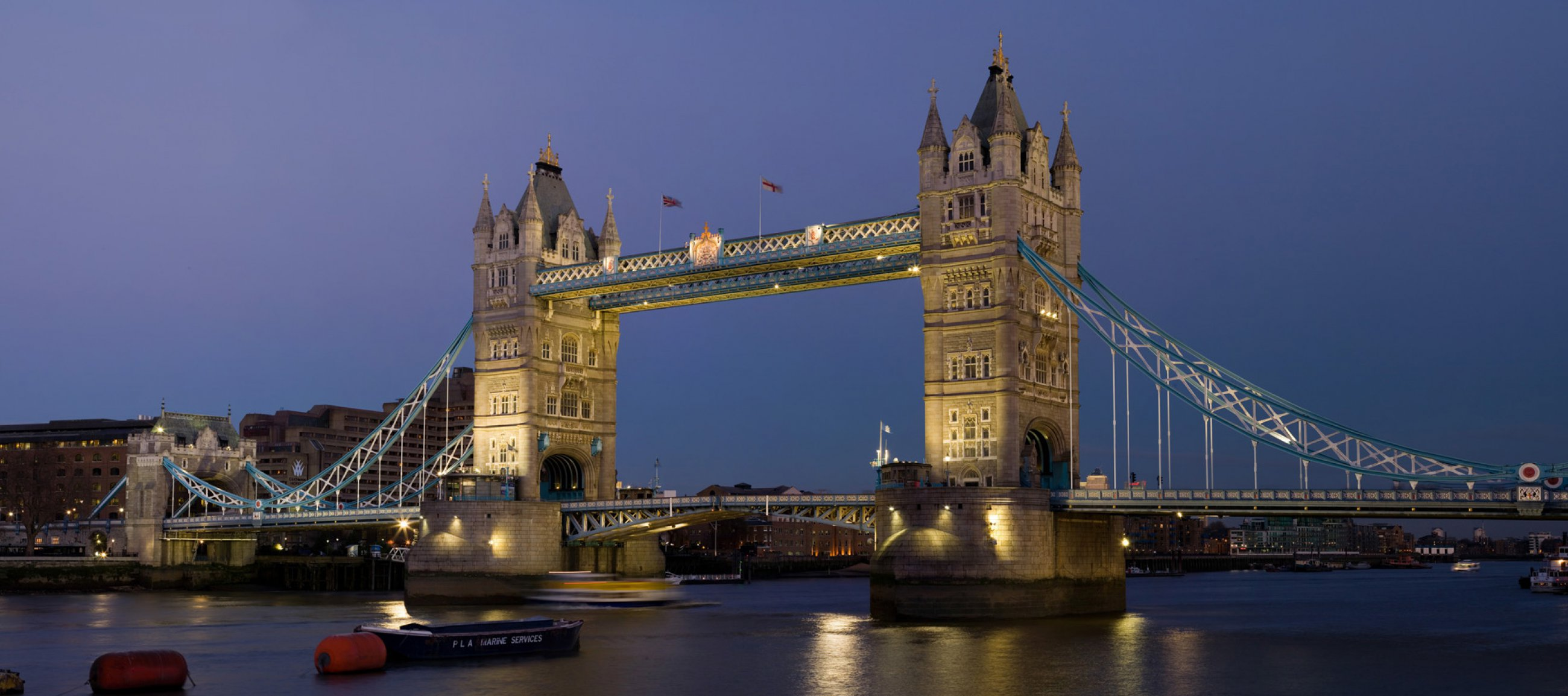 https://bubo.sk/uploads/galleries/5048/london-tower-bridge-london-dusk-feb-2006.jpg