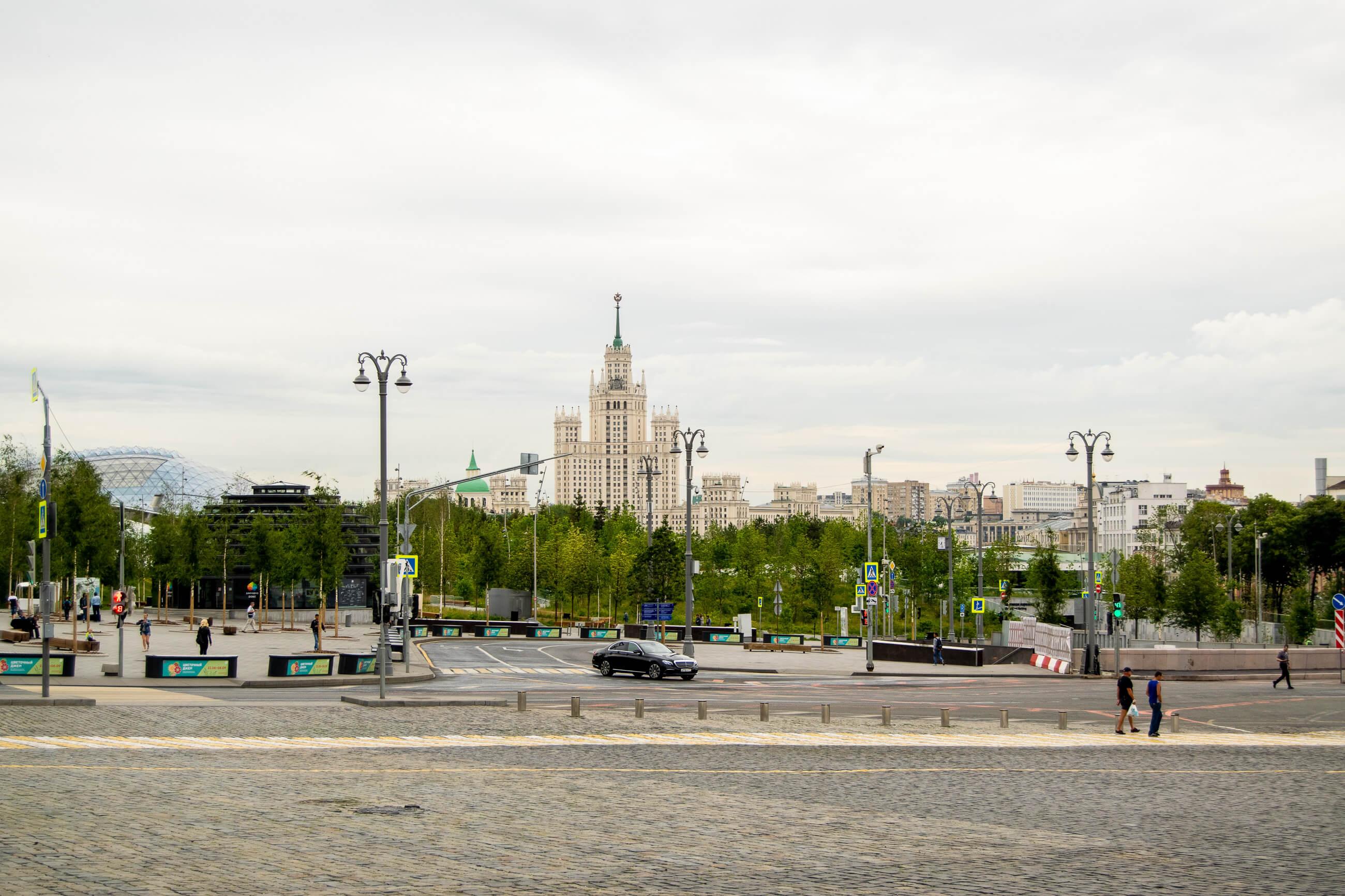 https://bubo.sk/uploads/galleries/5055/martinlipinsky_rusko_moskva_dsc0365-2-2.jpg