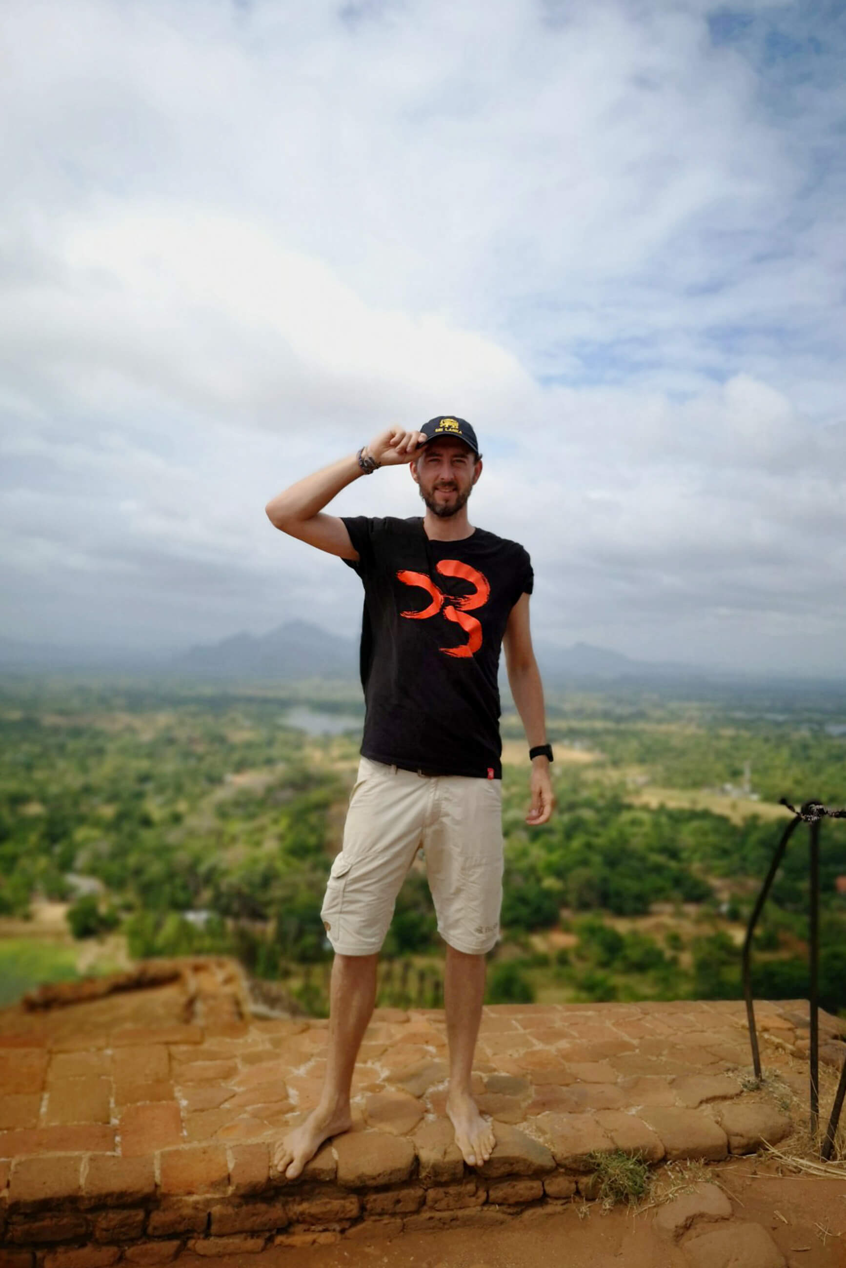 https://bubo.sk/uploads/galleries/5058/janzachar_srilanka.jpg