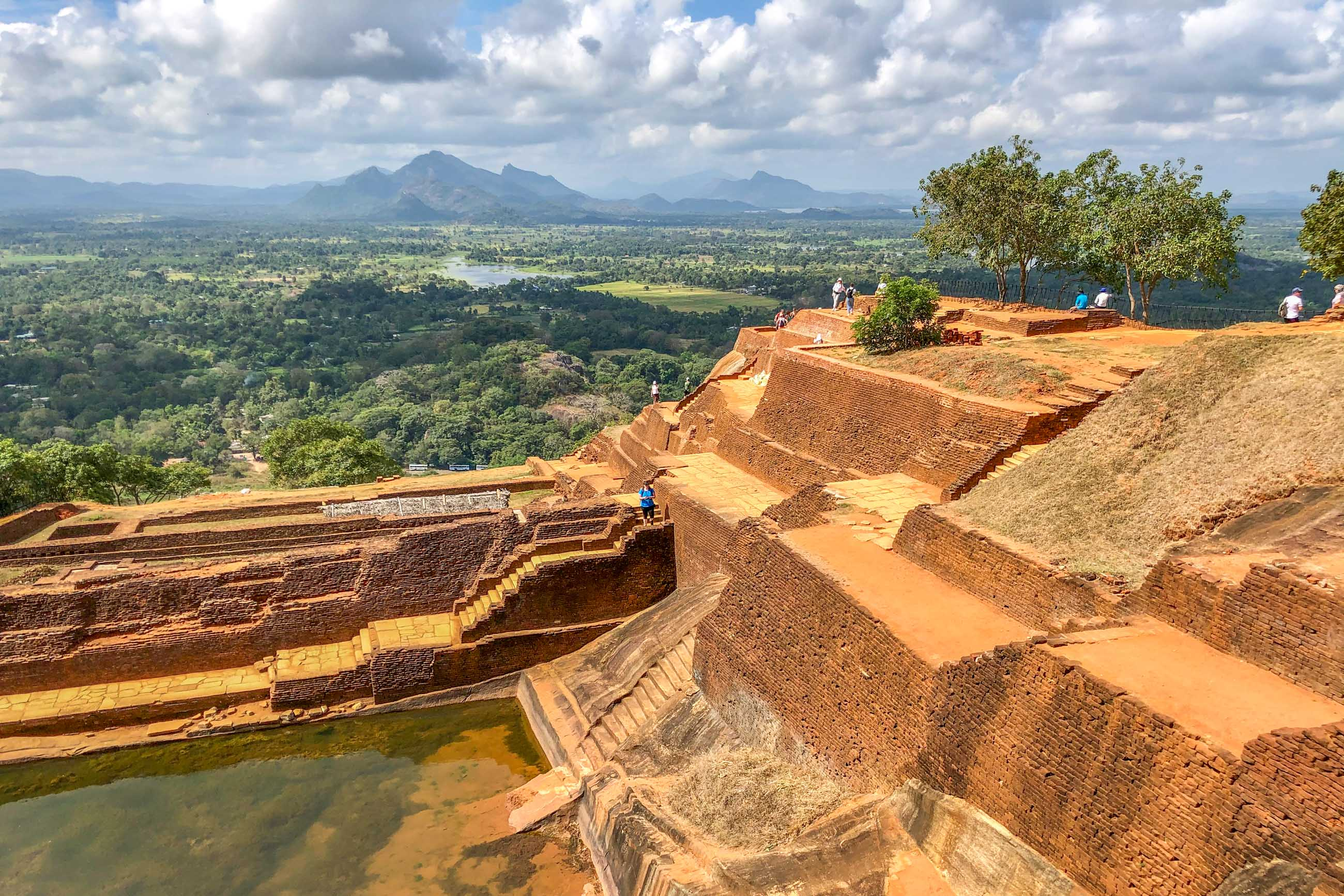 https://bubo.sk/uploads/galleries/5058/roberttaraba_srilanka_5.jpg