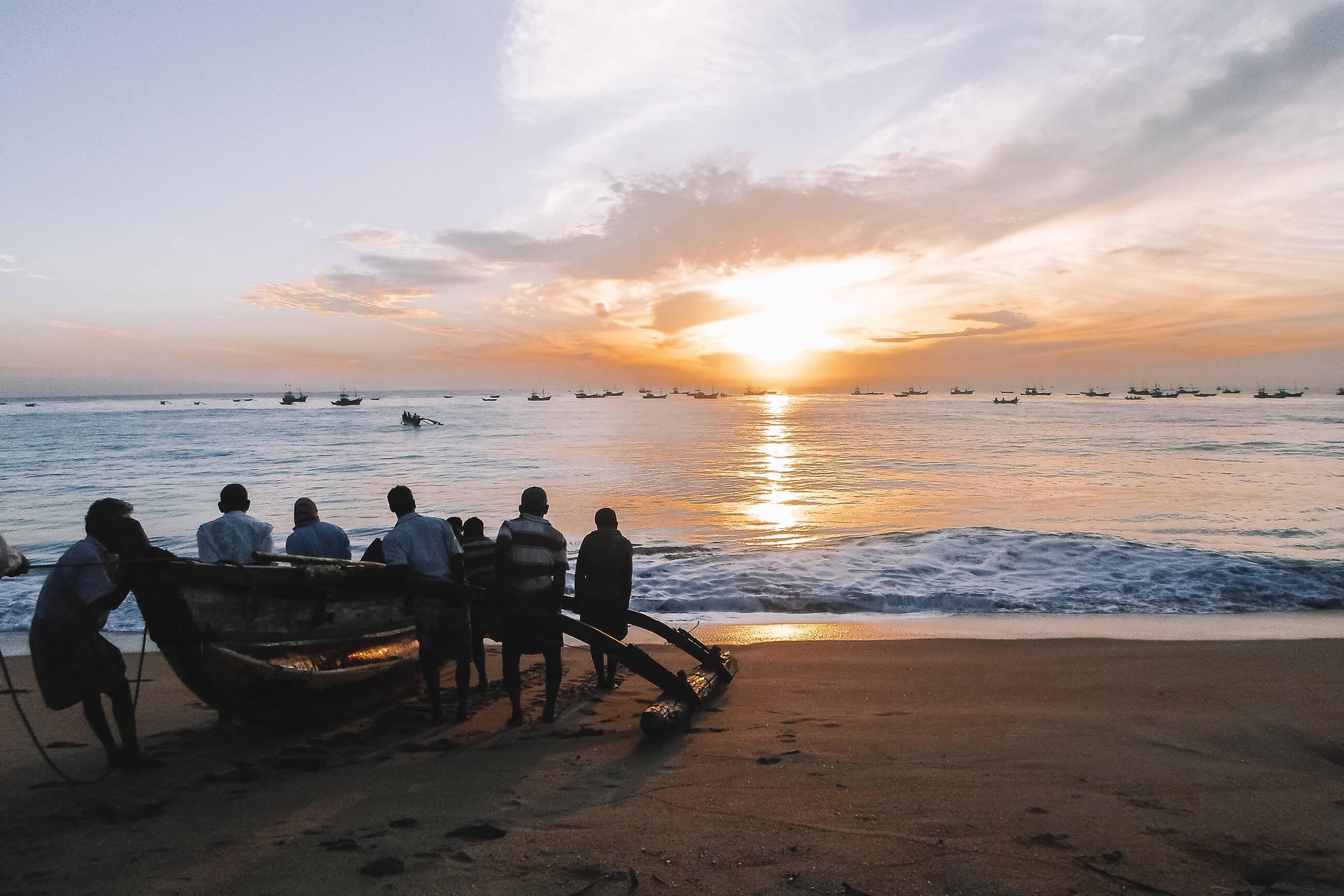https://bubo.sk/uploads/galleries/5058/srilanka_beach-181872.jpg