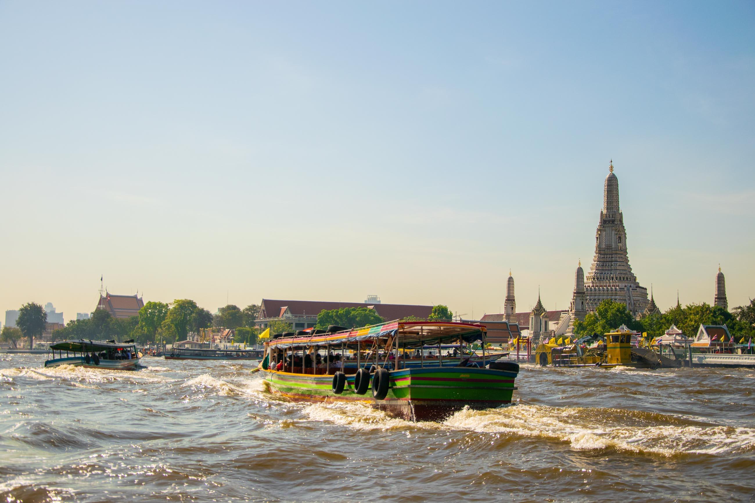 https://bubo.sk/uploads/galleries/5062/adam_zahorsky_thajsko_bangkok_dsc_0159.jpg