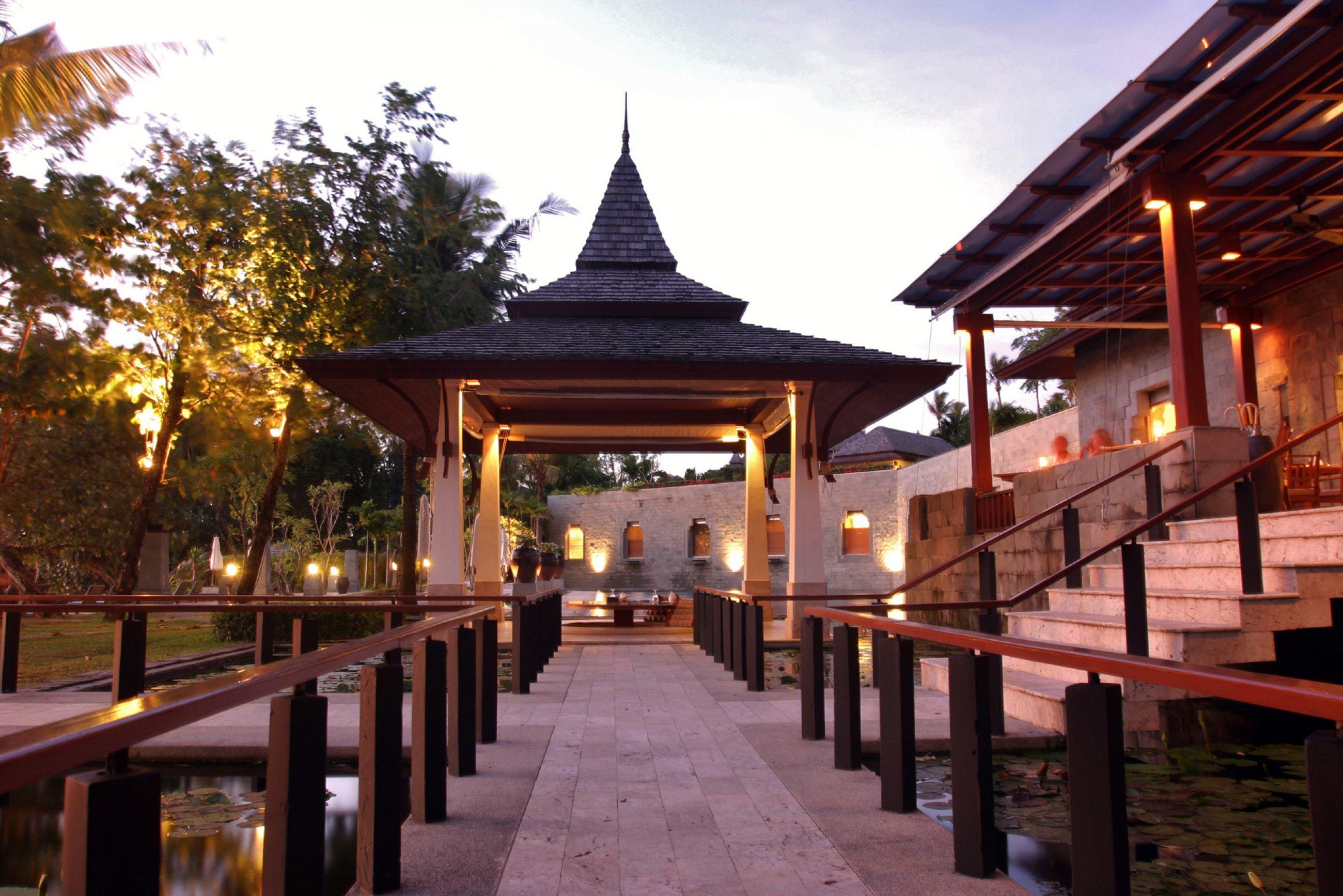 https://bubo.sk/uploads/galleries/5062/nakamanda-restaurant2.jpg